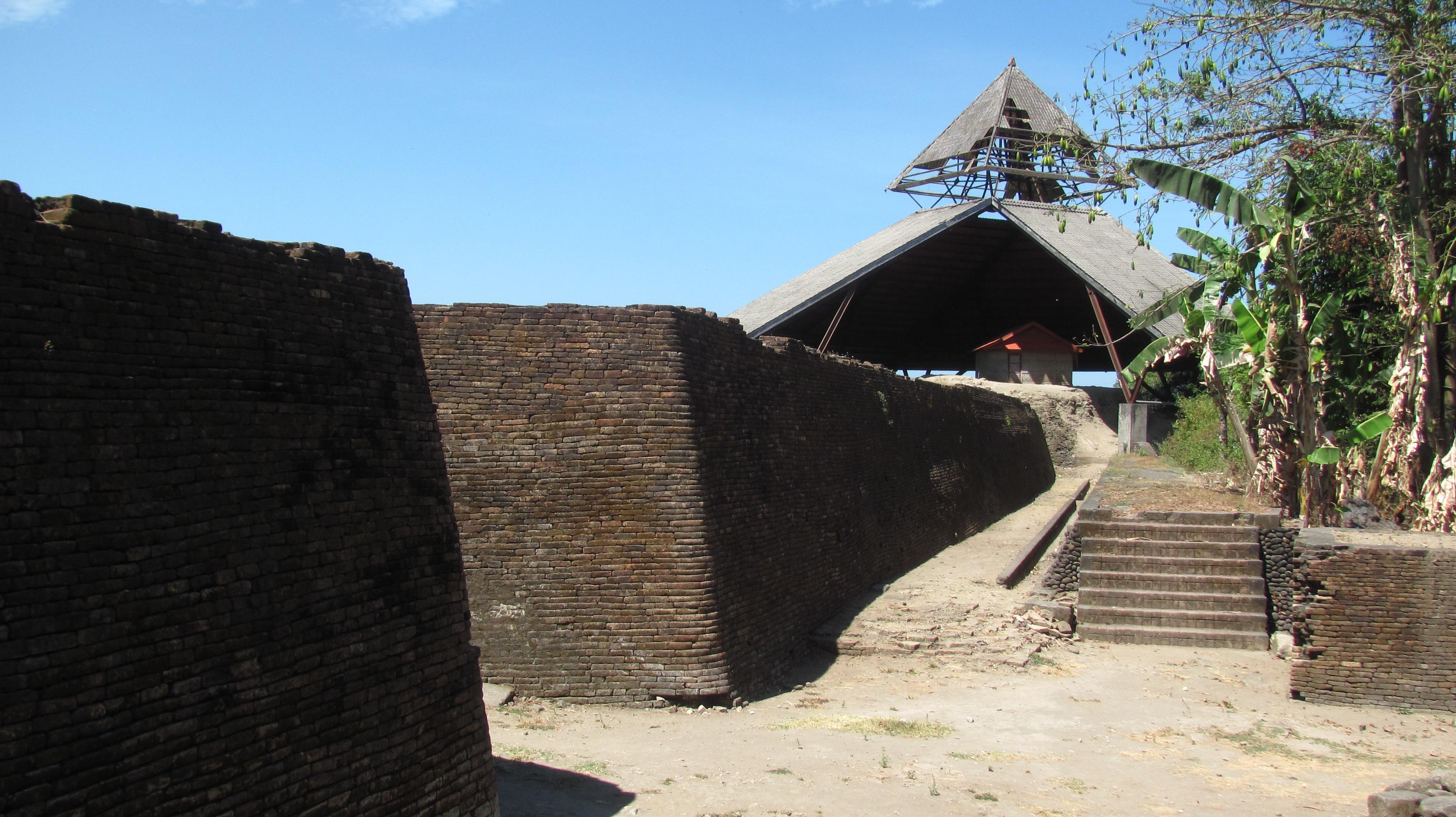 Fort Somba Opu - Wikipedia