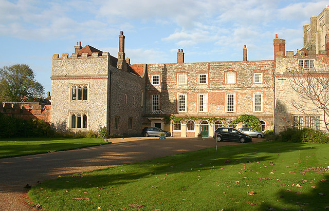 Bishops Palace, Chichester (geograph 3745039)