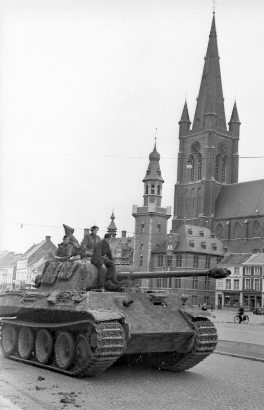 A Panther tank in Eeklo