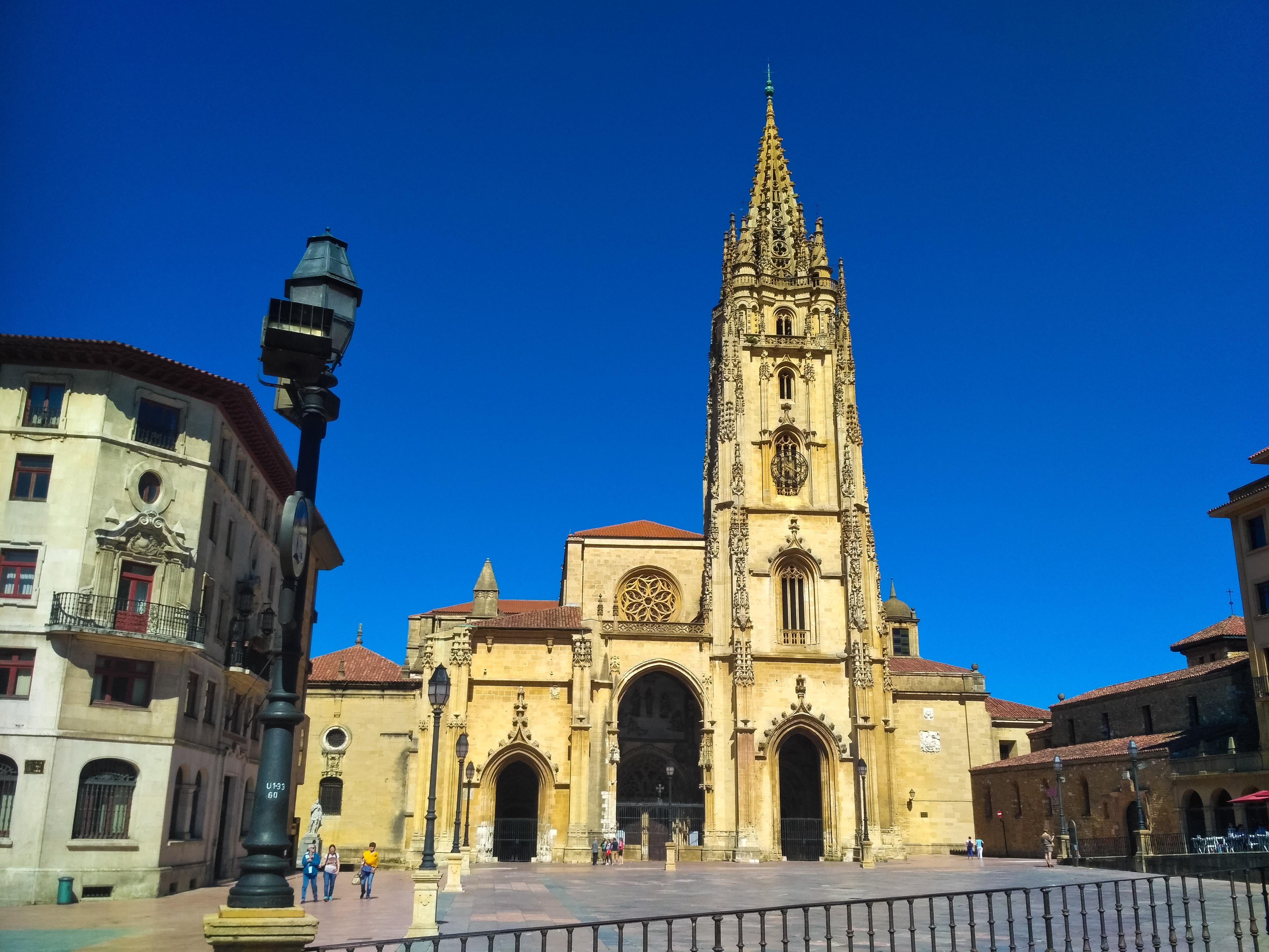 Archivo:Catedral de San Salvador en Oviedo.jpg - Wikipedia, la ...