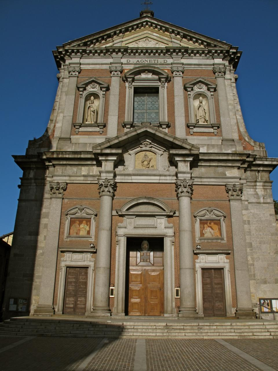 File church in somma lombardo wikimedia for Arredamenti somma lombardo