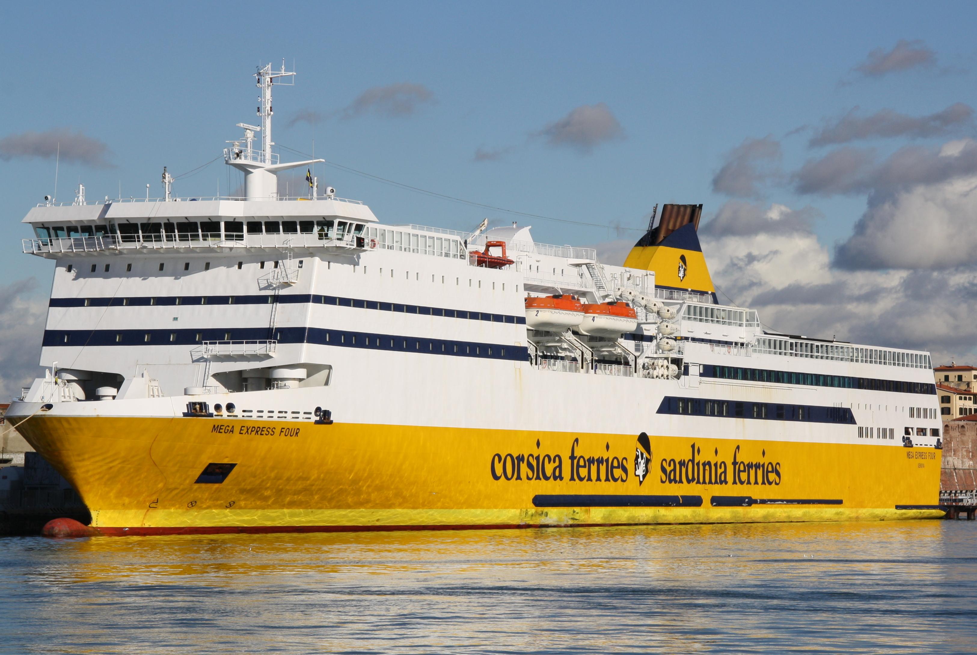 File corsica ferries mega express four 03 jpg wikimedia for Mega express 2 piscine
