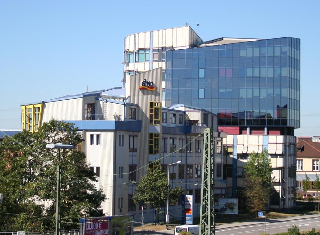 http://upload.wikimedia.org/wikipedia/commons/1/1e/Dm_Zentrale_Karlsruhe.jpg