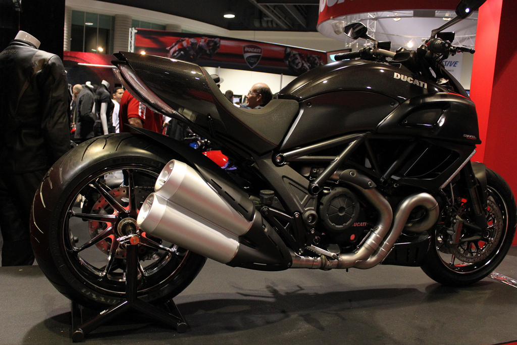 Ducati Diavel Carbon Accessories