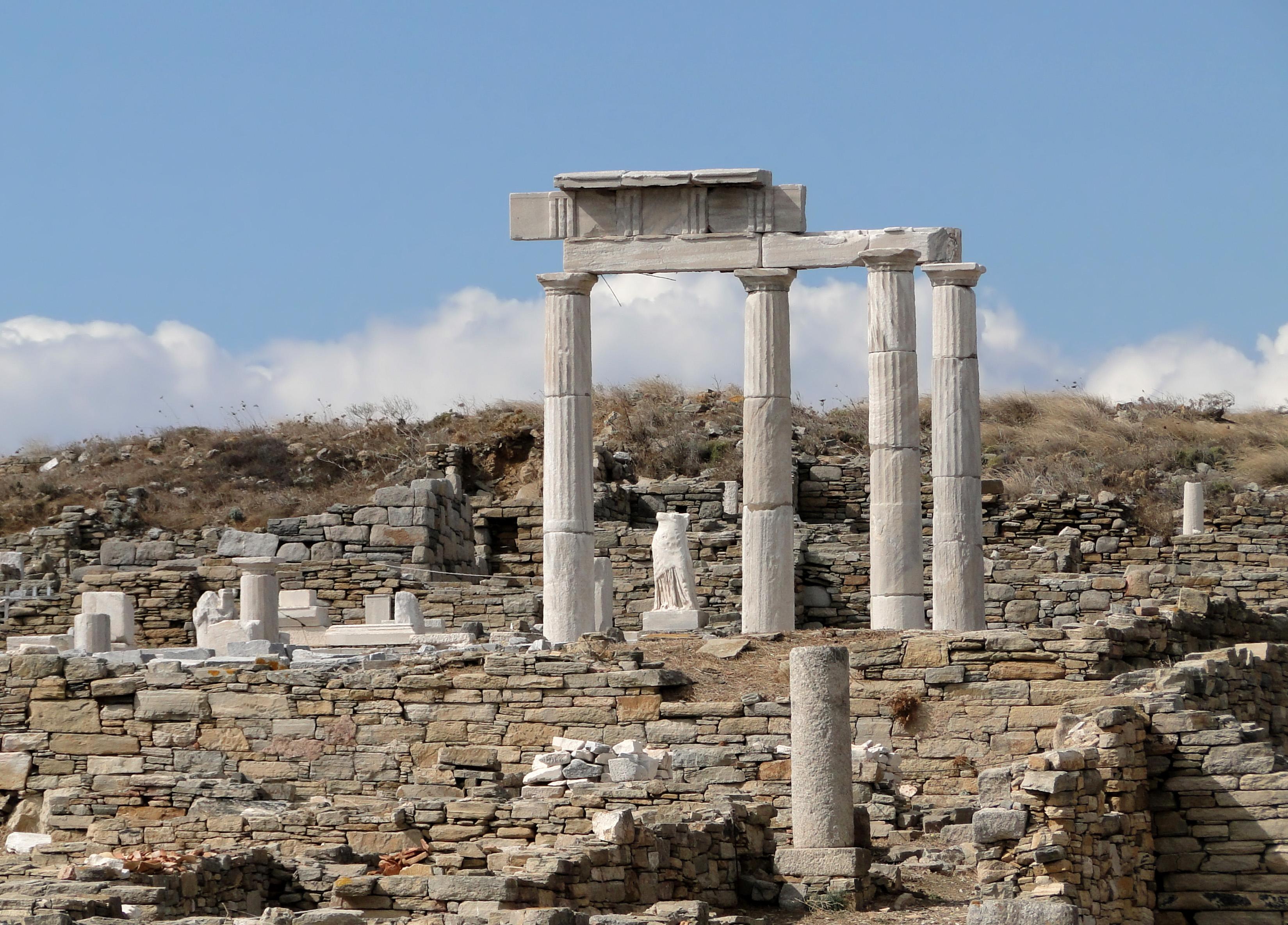File:Establishment of the Poseidoniasts, Delos 02.jpg ...