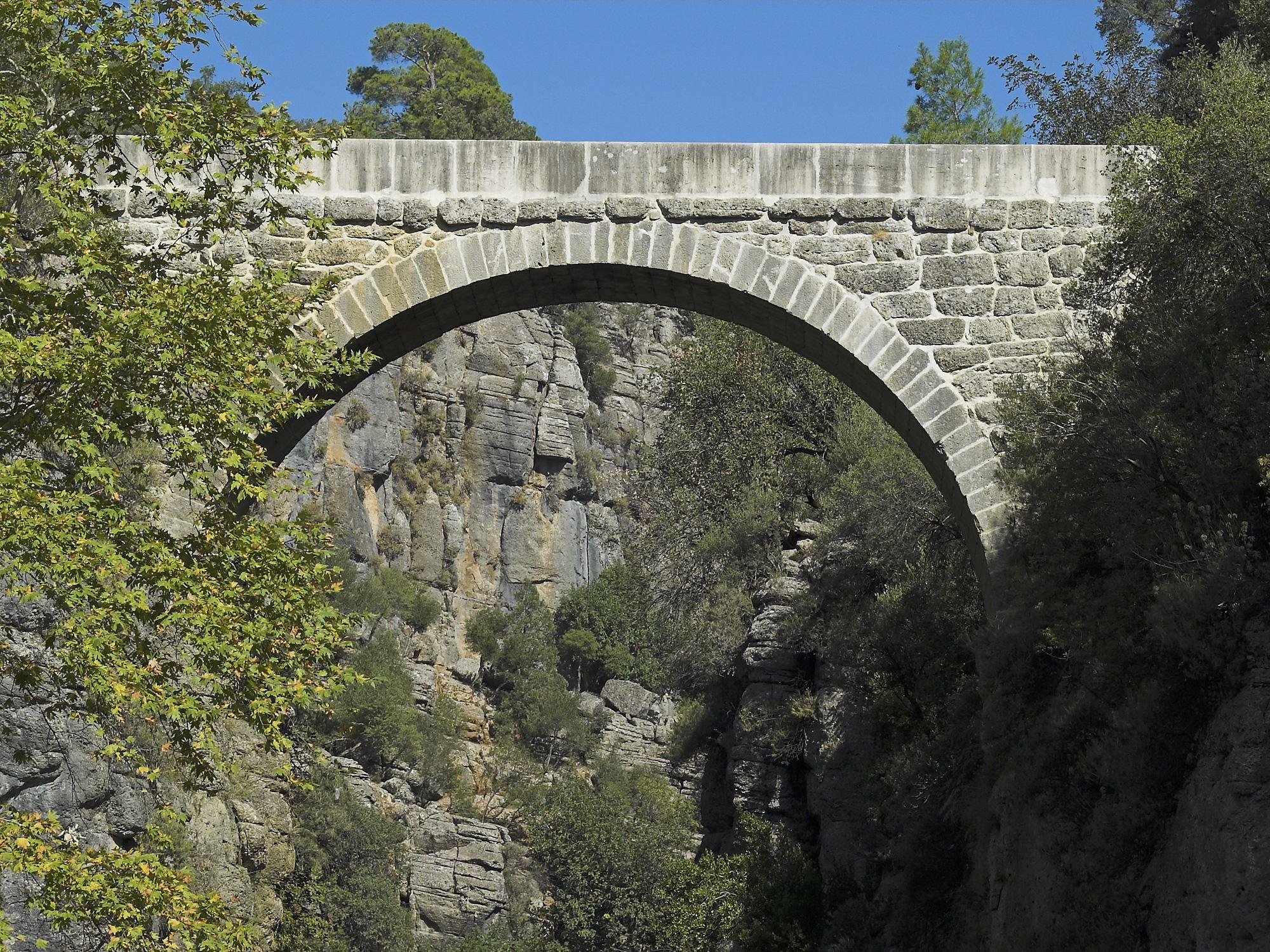 File:Eurymedon Bridge, Selge, Turkey. Pic 06.jpg ...