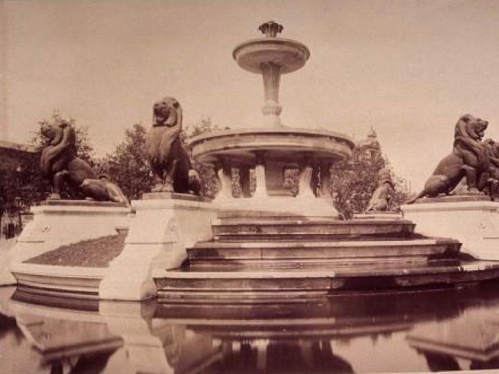 Fichier:Fontaine du Château d'Eau (Davioud).jpg