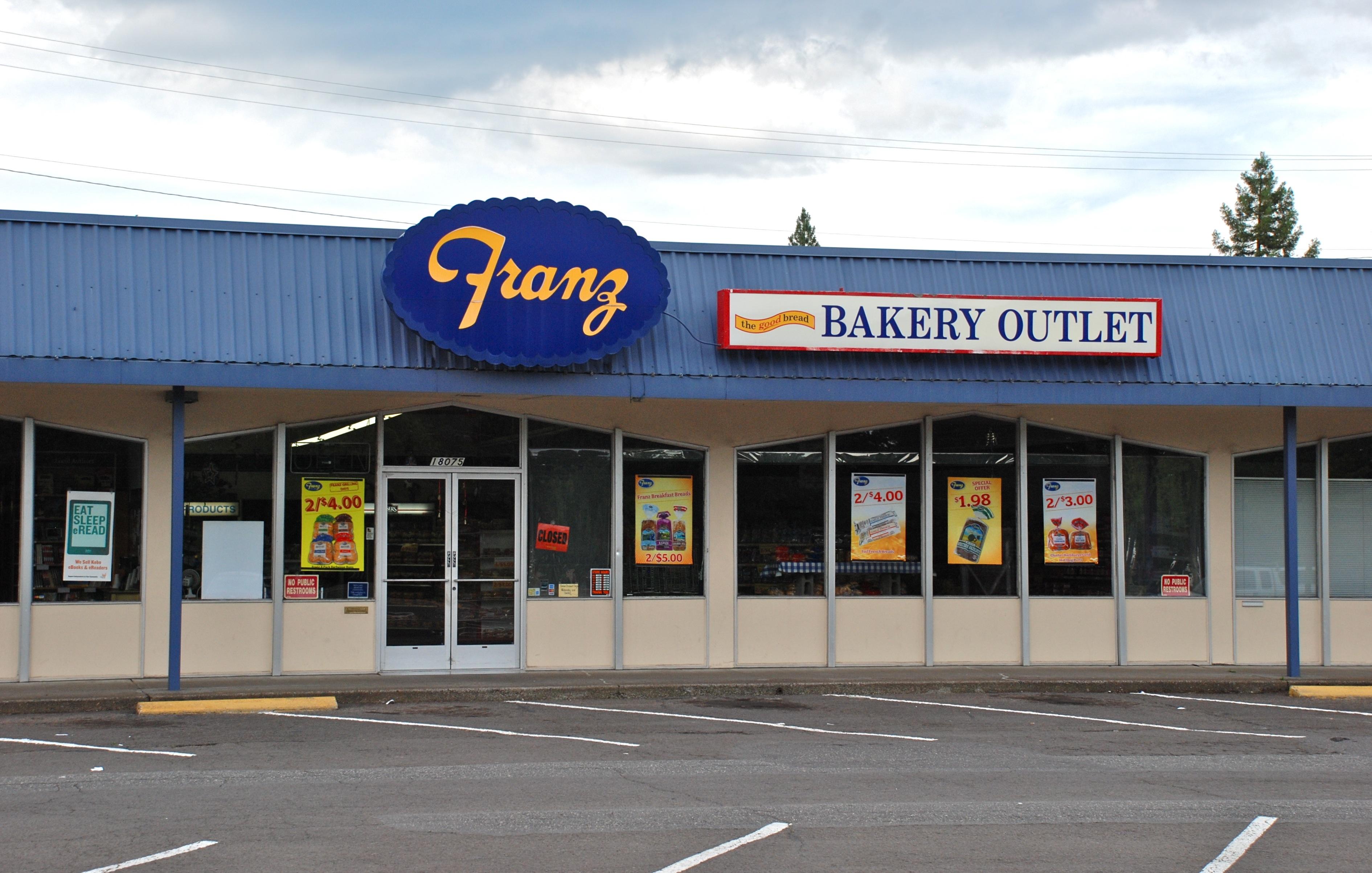 File:Franz Bakery Outlet store in Aloha, Oregon (2013).jpg ...