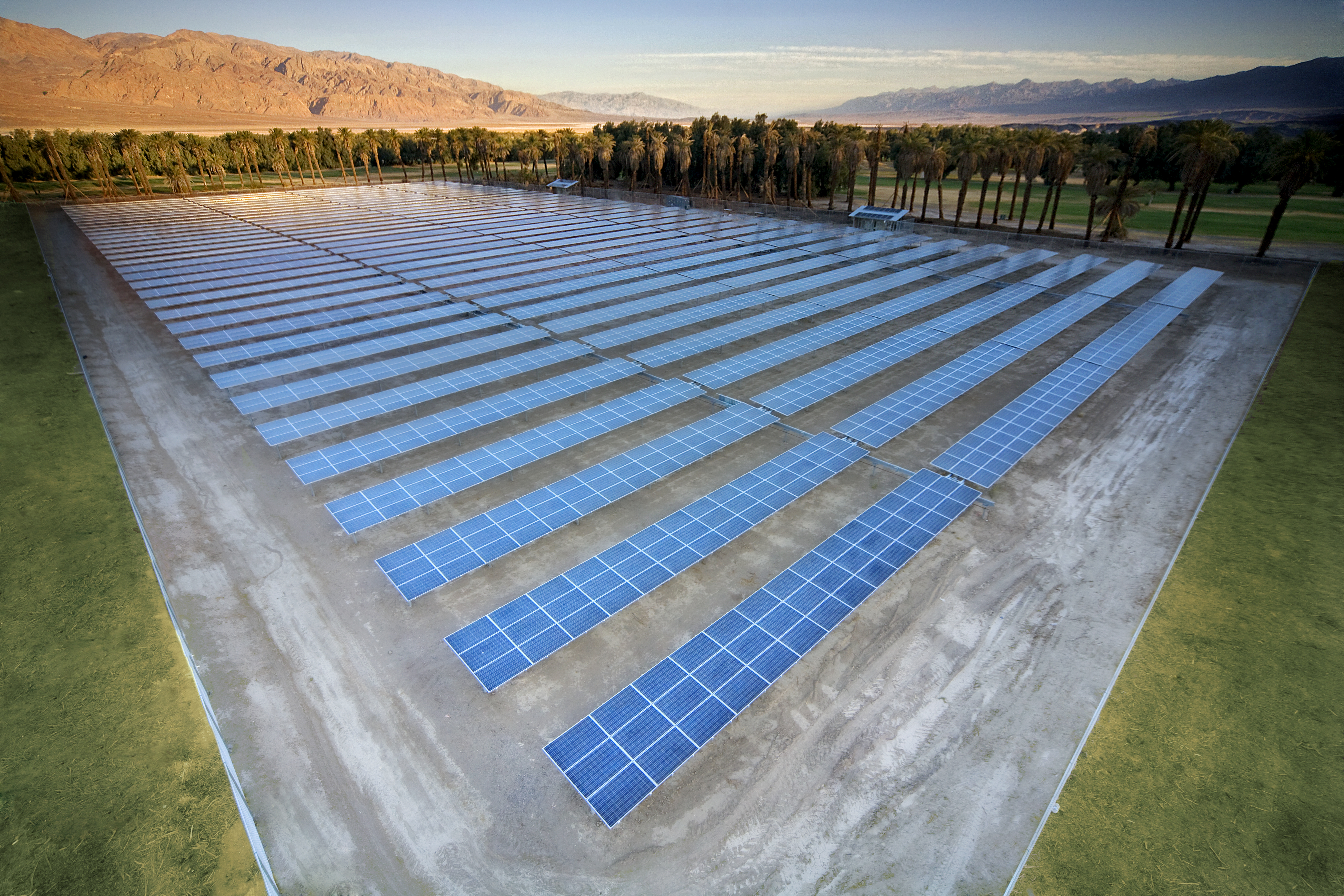Solar Farm, Death Valley, California.  Image by spg solar