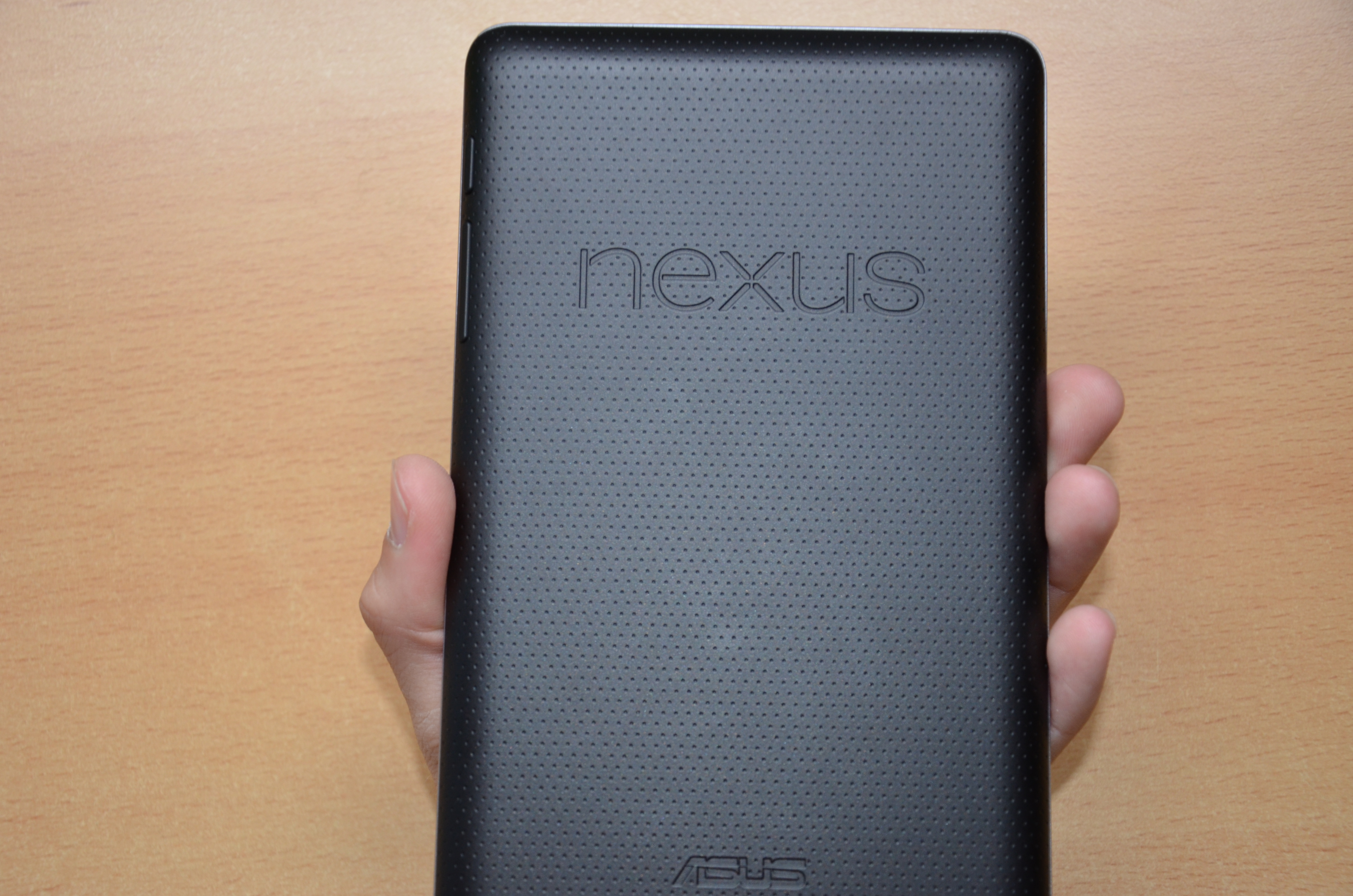File:Google Nexus 7 Back.jpg - Wikimedia Commons