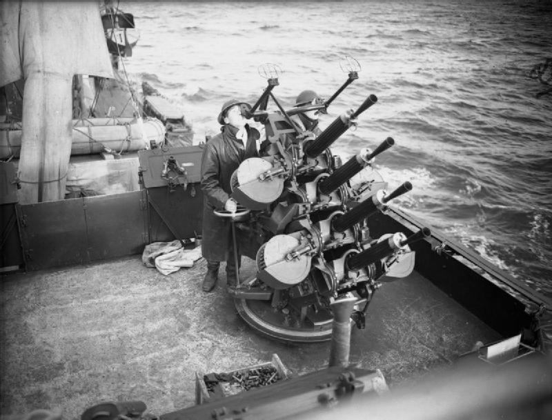 HMS_Vanity_Vickers_.50_guns_1940_IWM_A_1