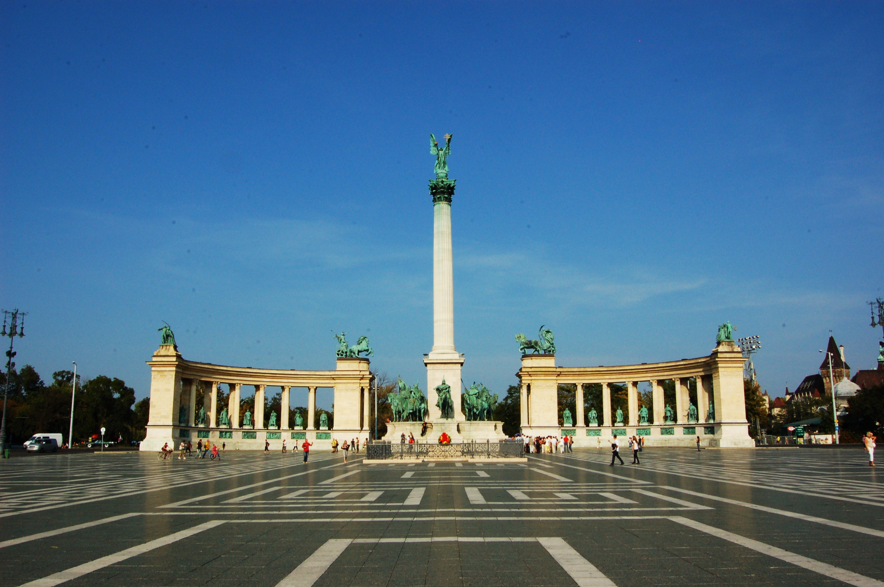 File Heroes Square Budapest Jpg Wikimedia Commons