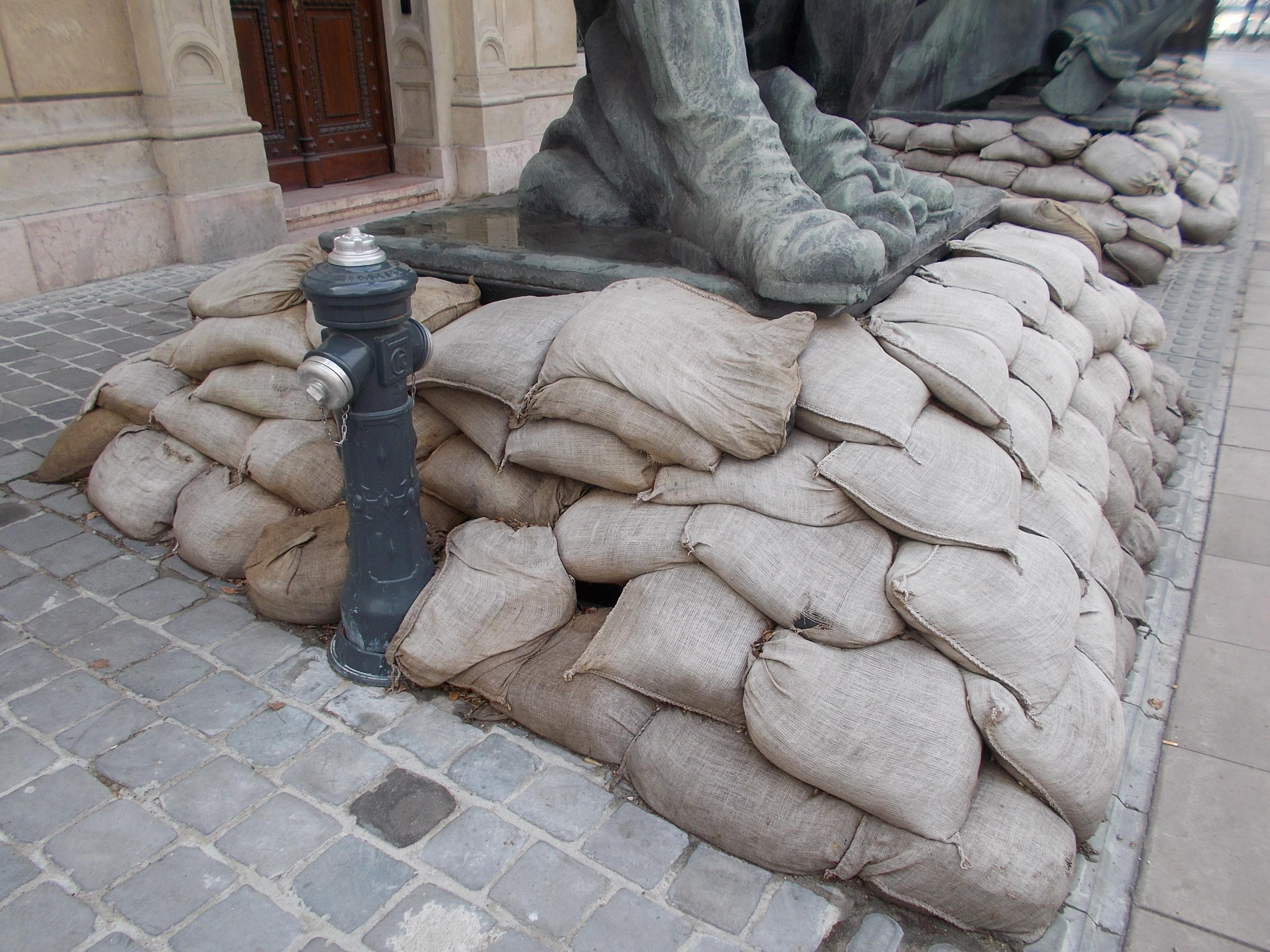 sports shoes 0ca0a 5d0ce File:Huge soldier statue. L1 Boot. - Ybl Miklós Sq ...