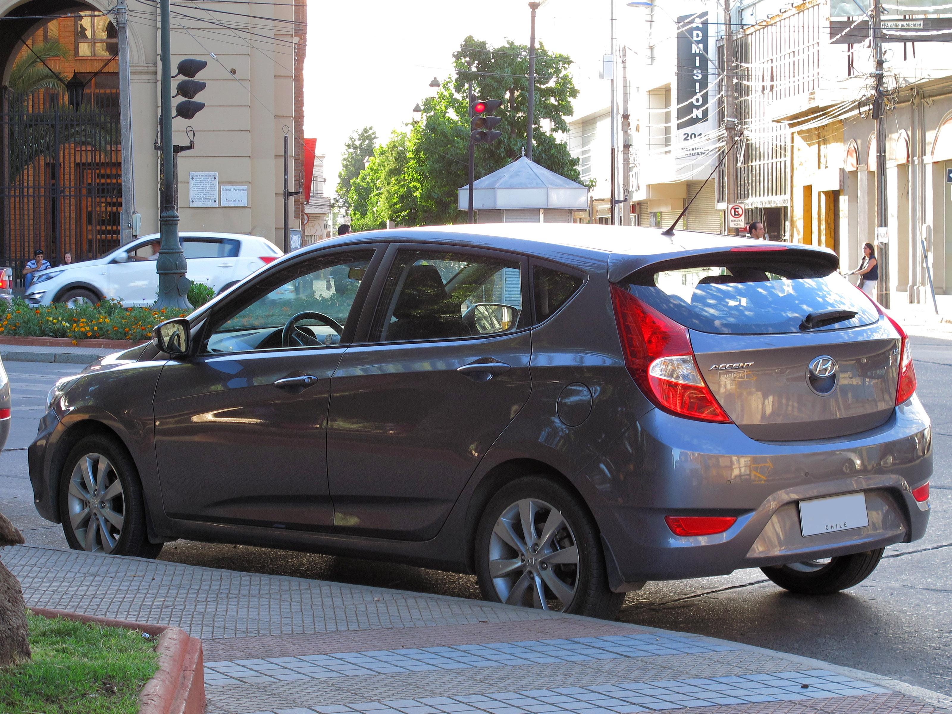 File Hyundai Accent Gls 1 6 Hatchback 2015 16552901131