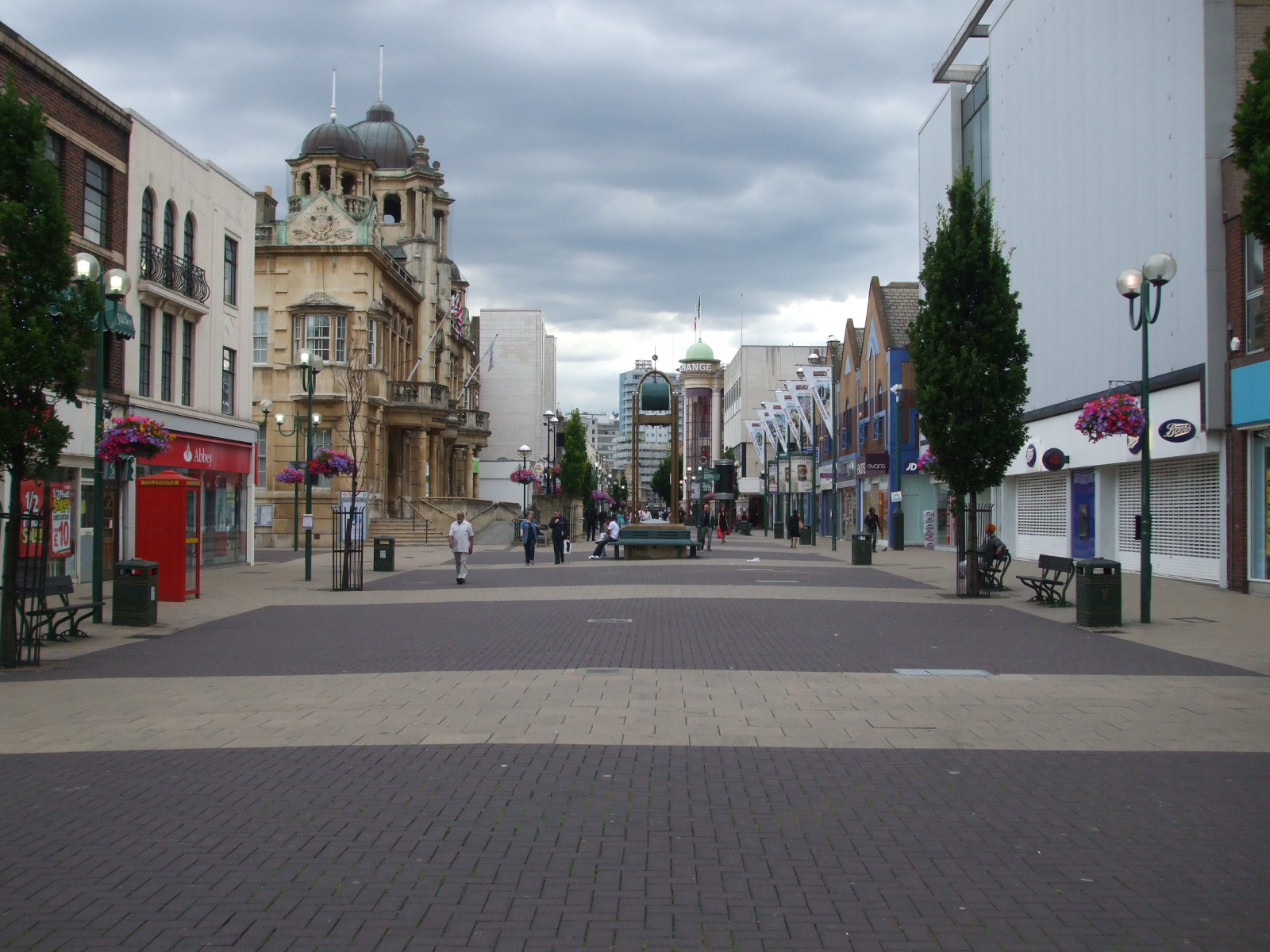 File:Ilford High Road westward.JPG - Wikimedia Commons