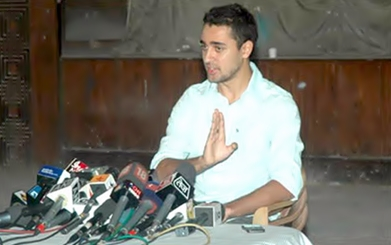 Khan addressing the media about the Maharashtra state government's new law raising the drinking age to 25 - Imran Khan (actor)
