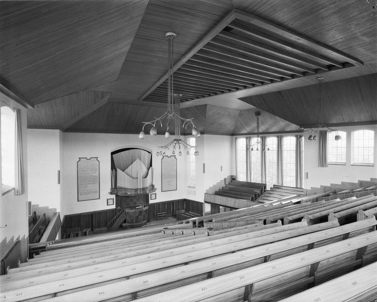 Bestand:Interieur overzicht naar het orgel - Rijssen - 20187667 ...