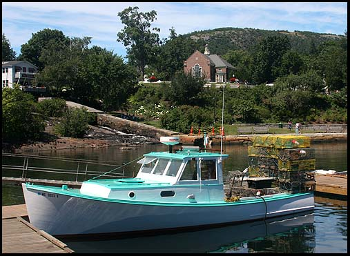 File lobster boat in camden wikimedia commons for Wisconsin fishing license cost