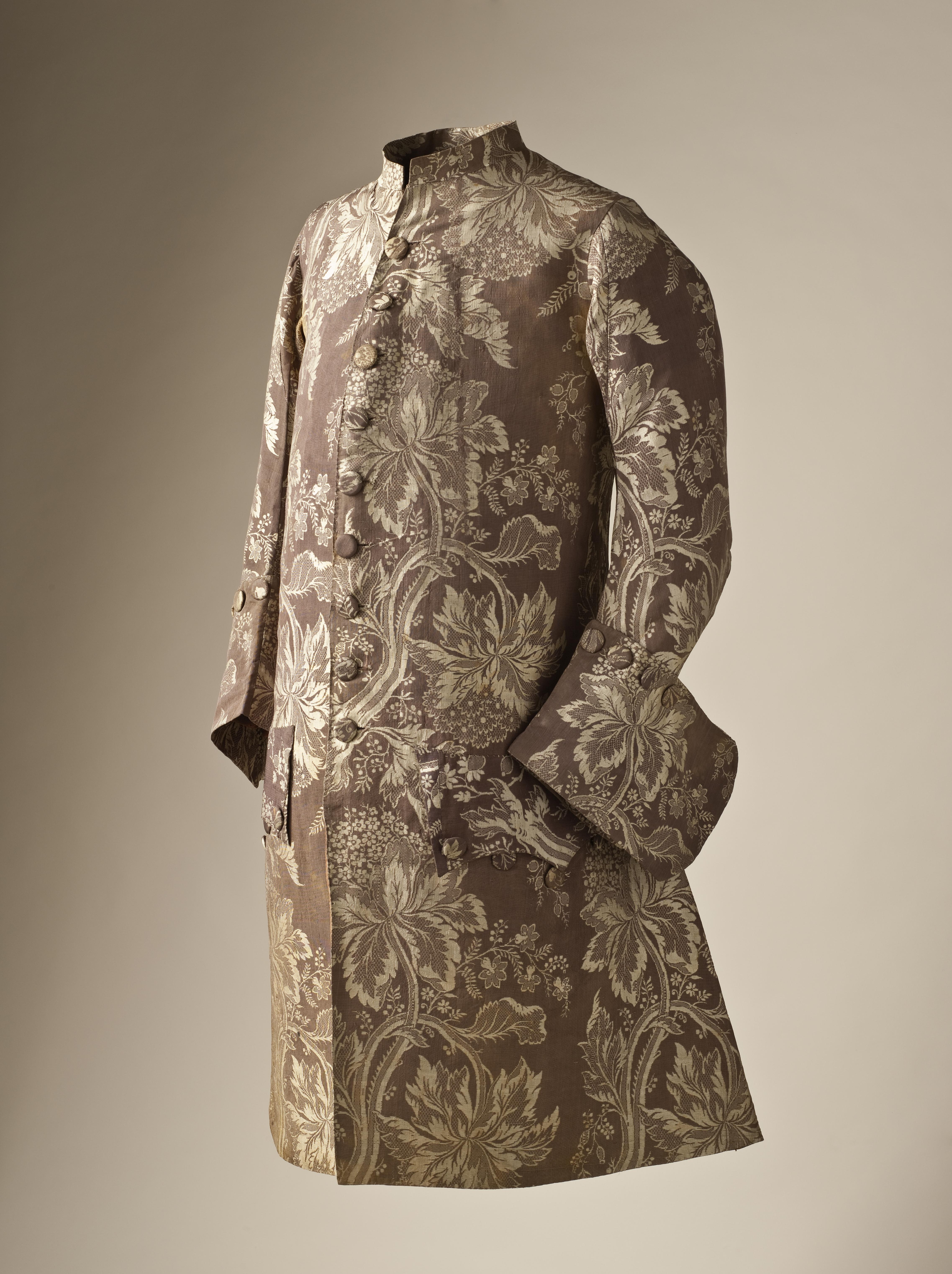 manteau-soie-lampas-1745-50-los-angeles-county-museum-of-art