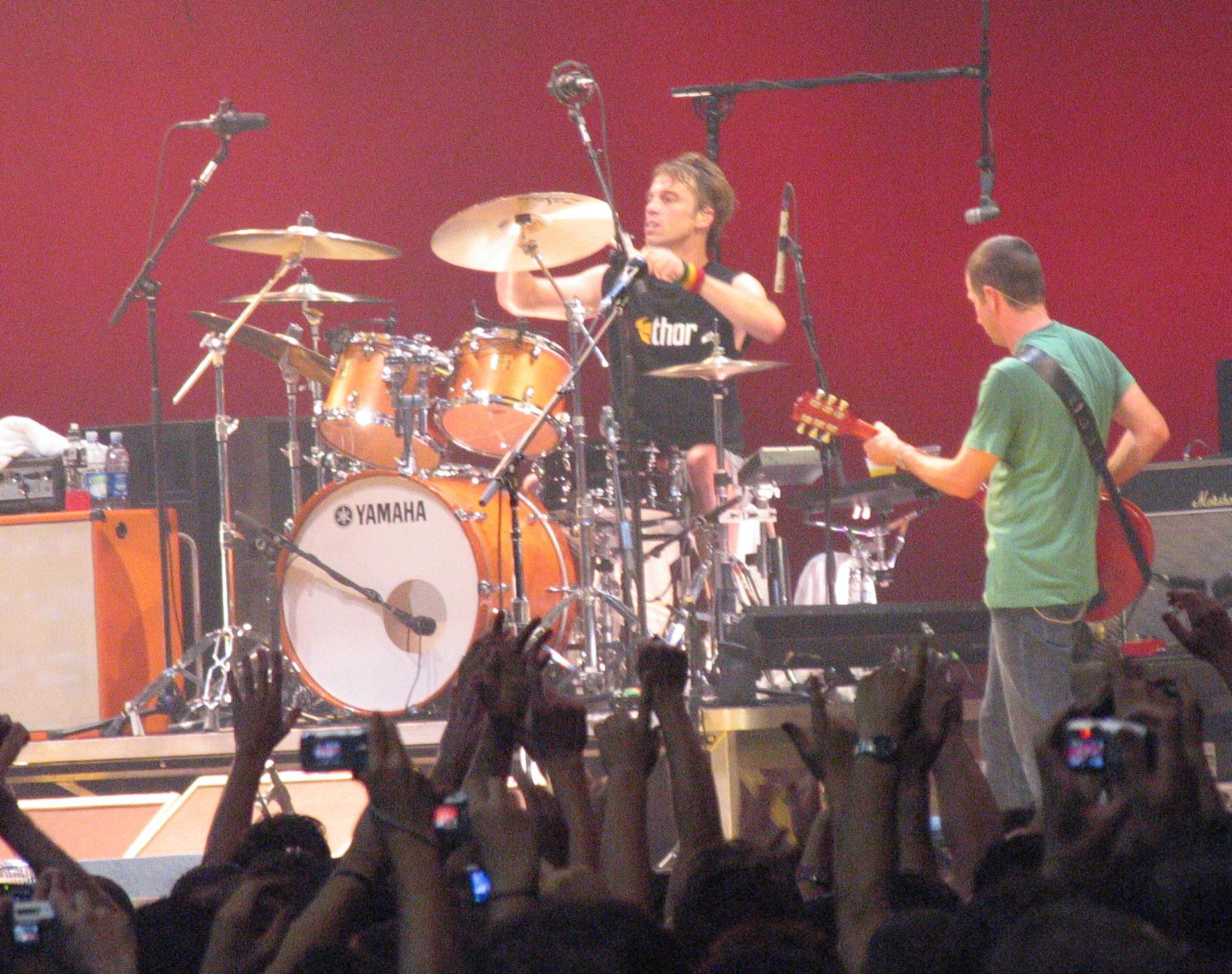Matt_Cameron_Pearl_Jam.jpg