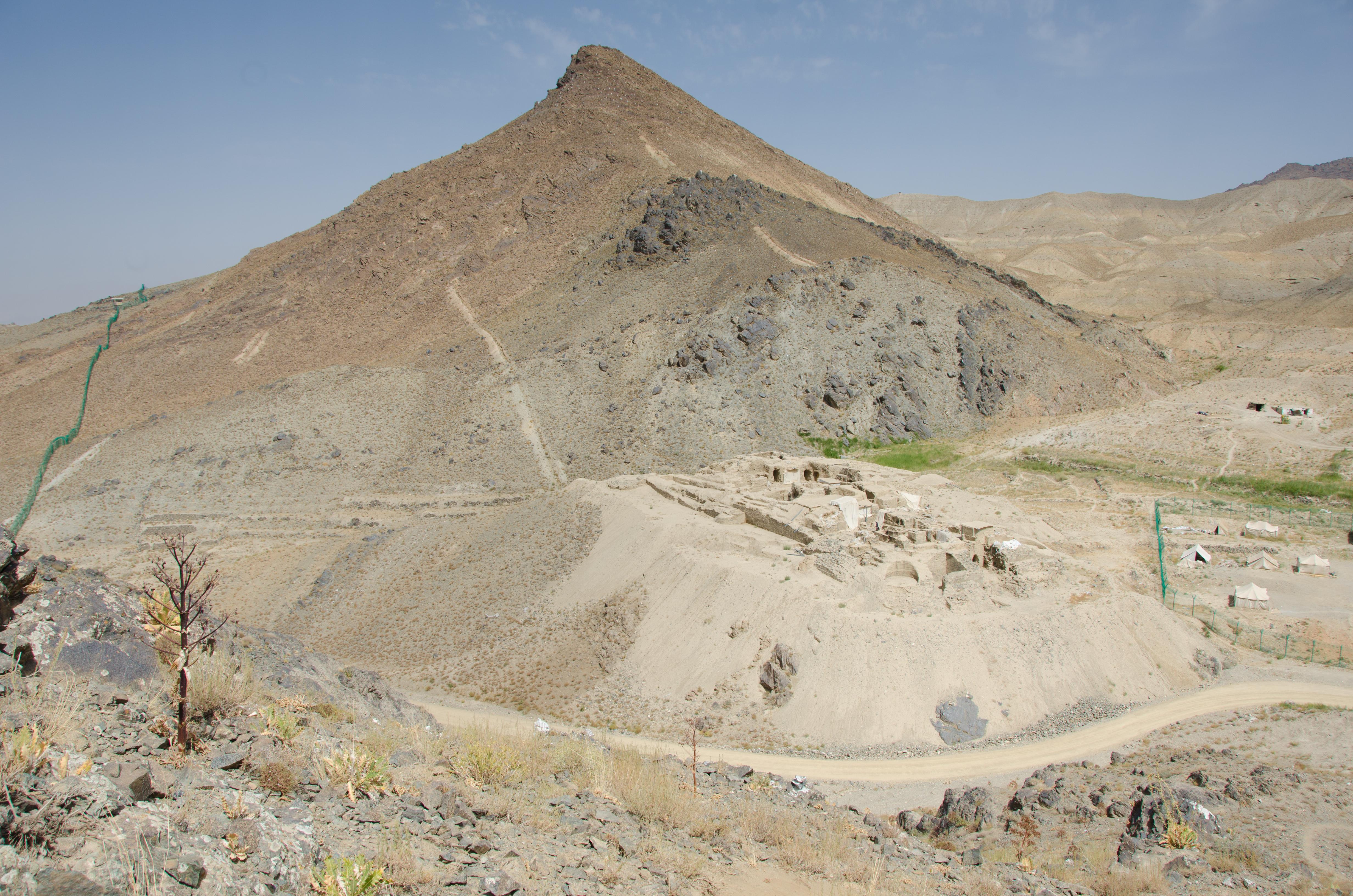 [Pilt: Mes_Aynak_north_overview.JPG]