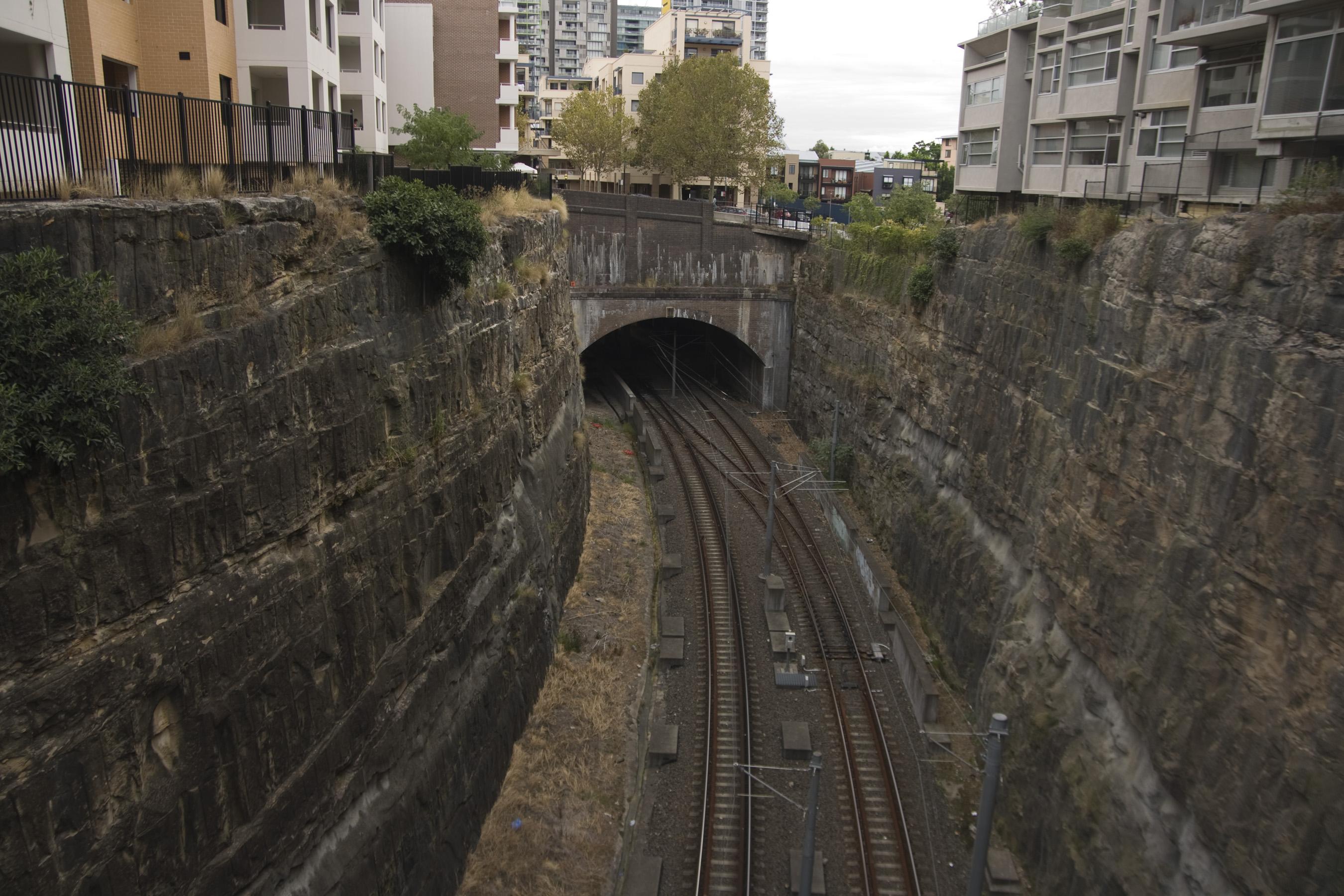 FileMetro Light Rail Line At Pyrmont