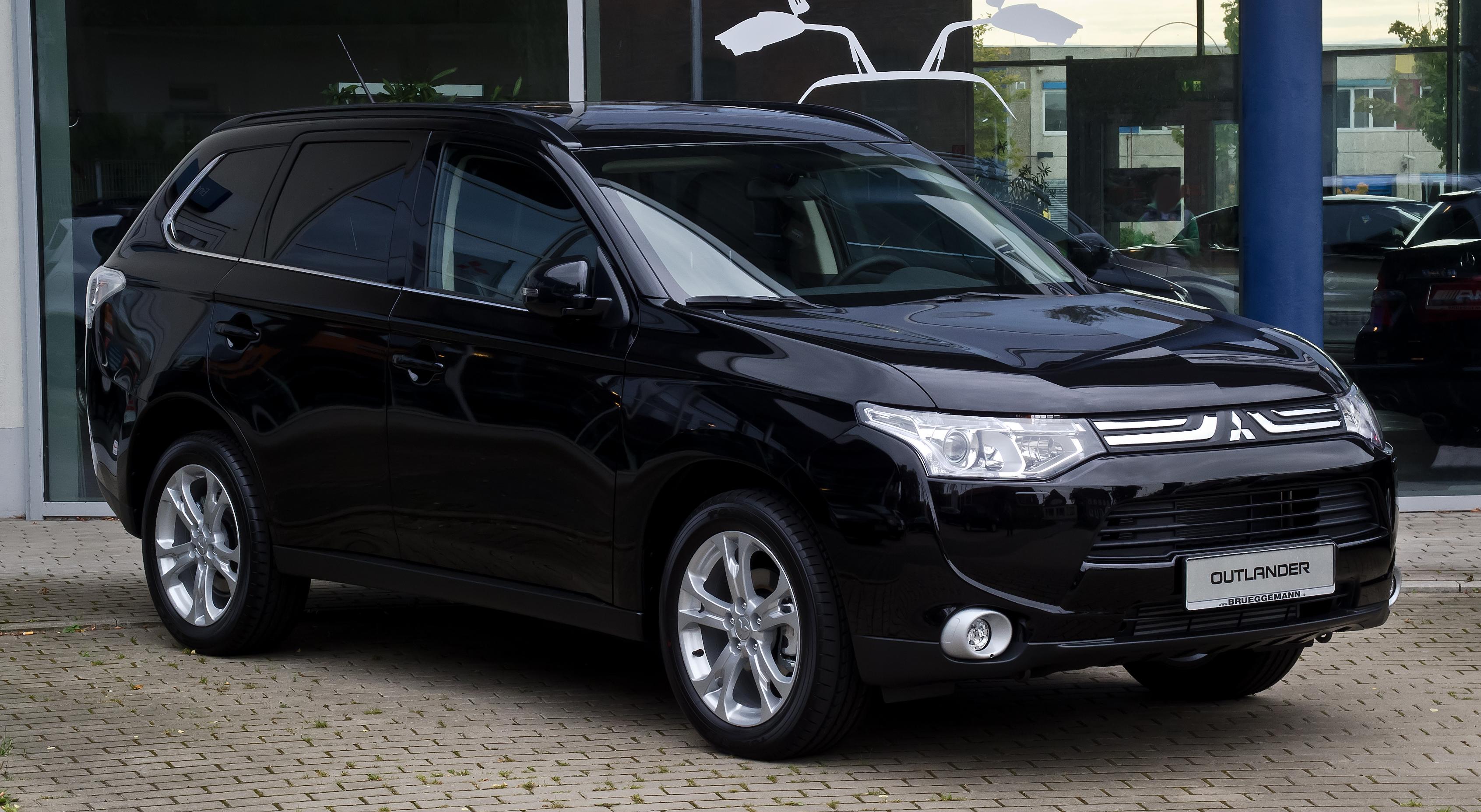 Terenska vozila Mitsubishi_Outlander_2.2_DI-D_4WD_Instyle_(III)_%E2%80%93_Frontansicht,_23._September_2012,_Hilden