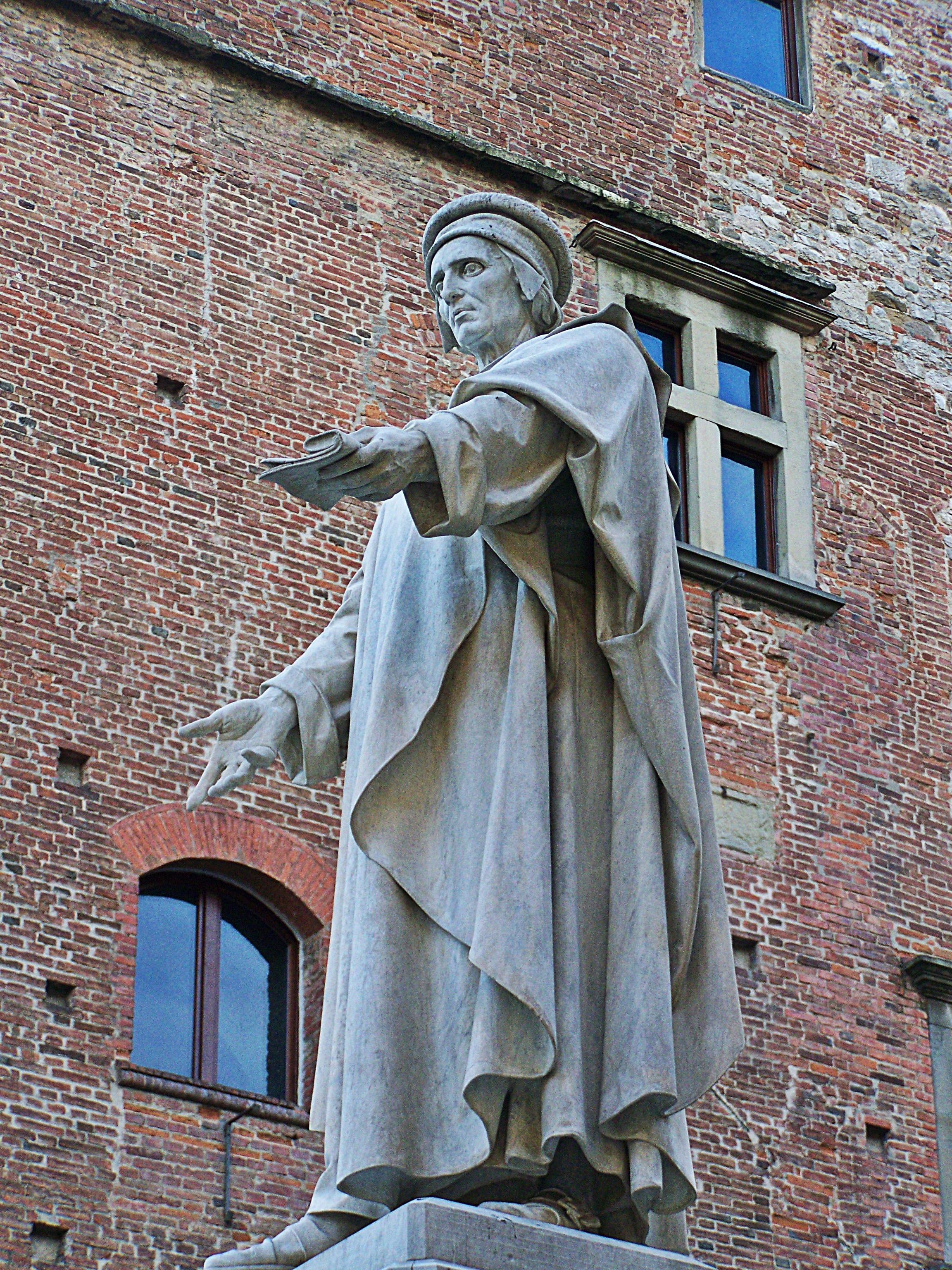 File:Monumento a Francesco di Marco Datini 6.jpg - Wikimedia Commons