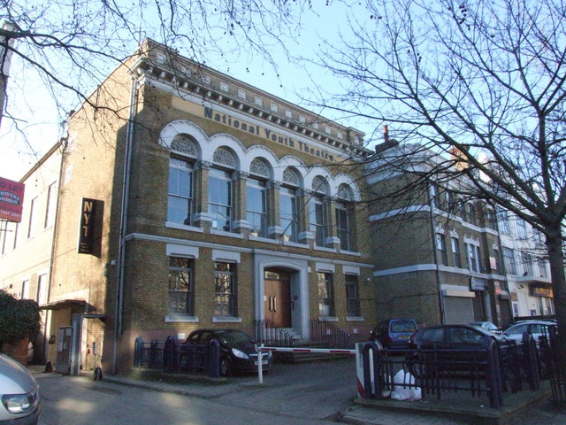 Das National Youth Theatre in Holloway, London. (Quelle: Chris Whippet via Wikimedia Commons unter Lizenz CC-BY-SA 2.0)