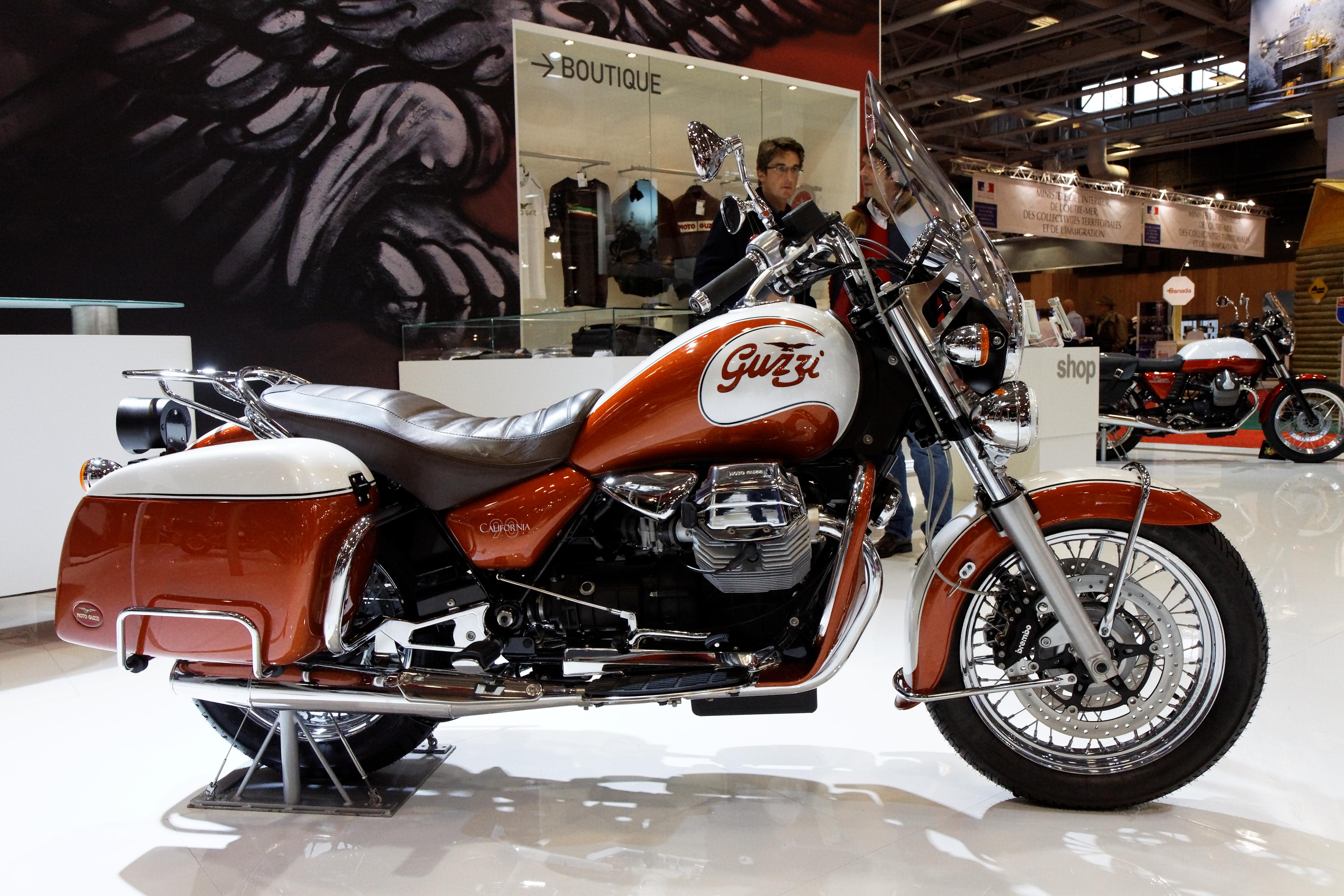 Bestand paris salon de la moto 2011 moto guzzi - Salon de la moto 2014 ...