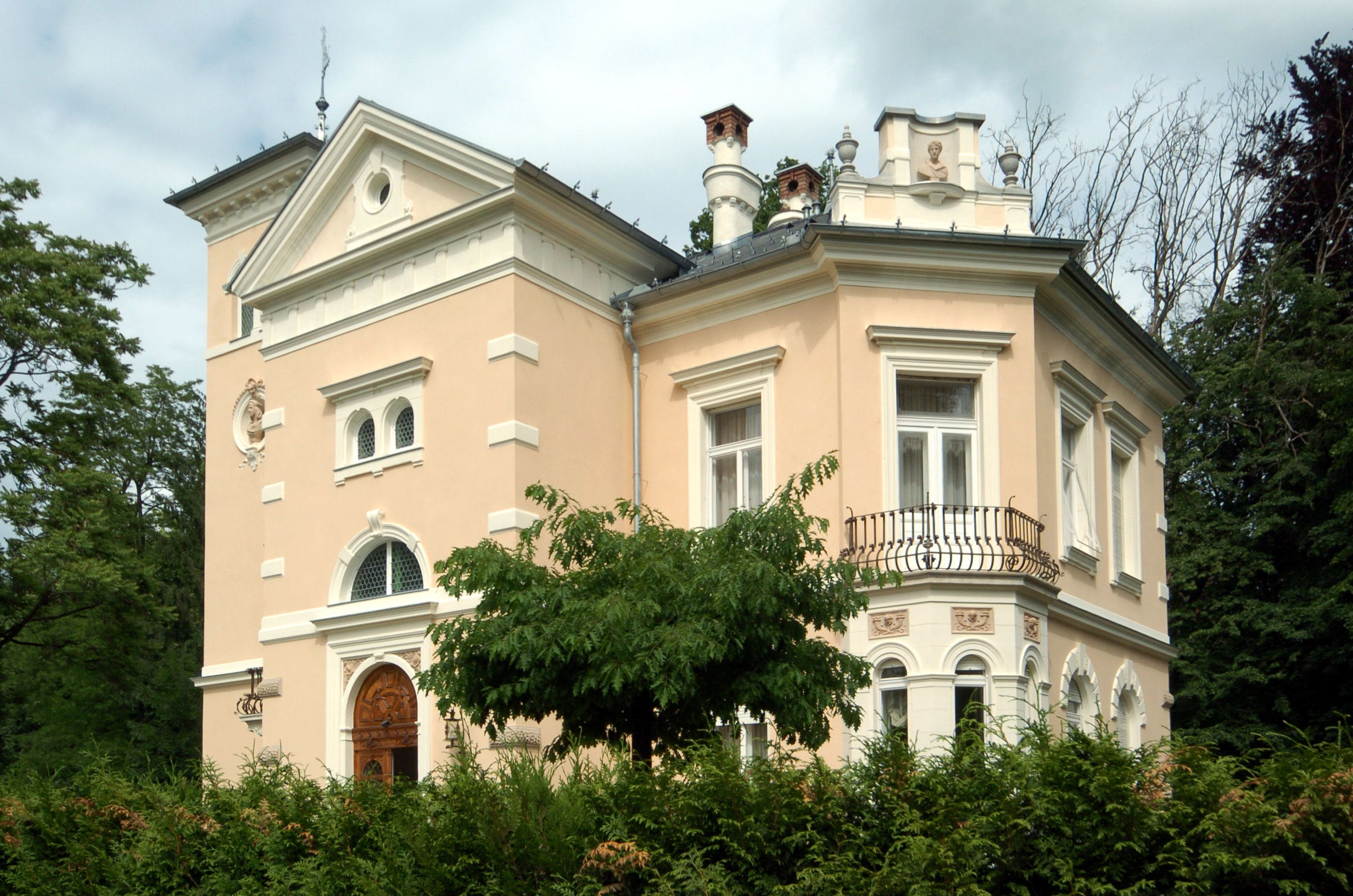 file poertschach villa venezia 30052007 wikimedia commons. Black Bedroom Furniture Sets. Home Design Ideas