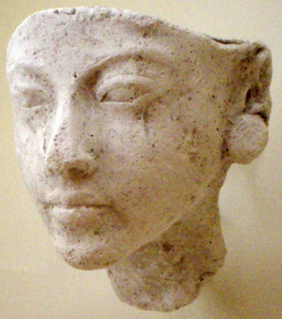 http://upload.wikimedia.org/wikipedia/commons/1/1e/PortraitStudyOfNefertiti-ThutmoseWorkshop_EgyptianMuseumBerlin.png?uselang=fr