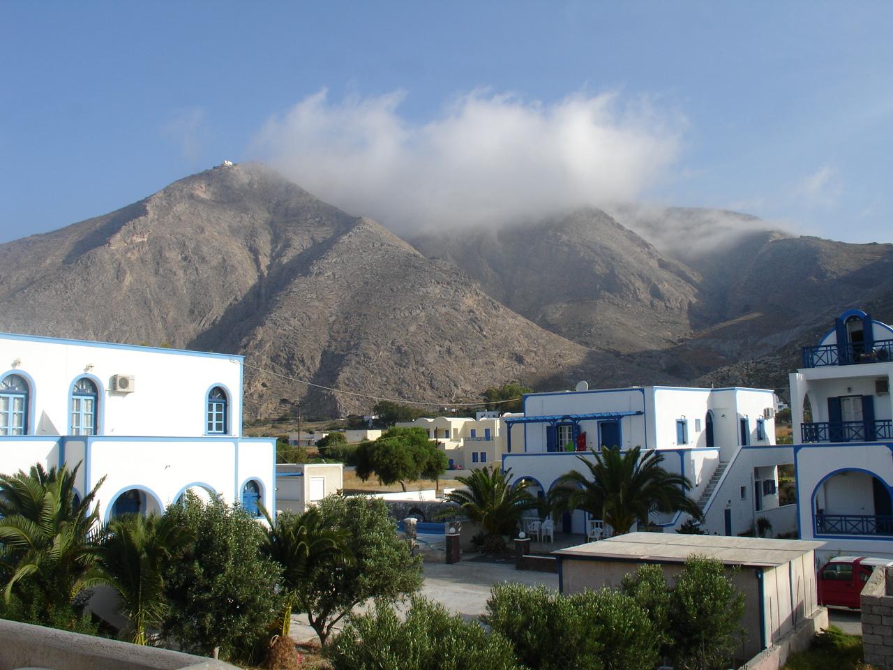 File:Profitis Ilias, Santorini.jpg - Wikimedia Commons