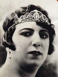 Qamar-ol-Moluk Vaziri Iranian singer