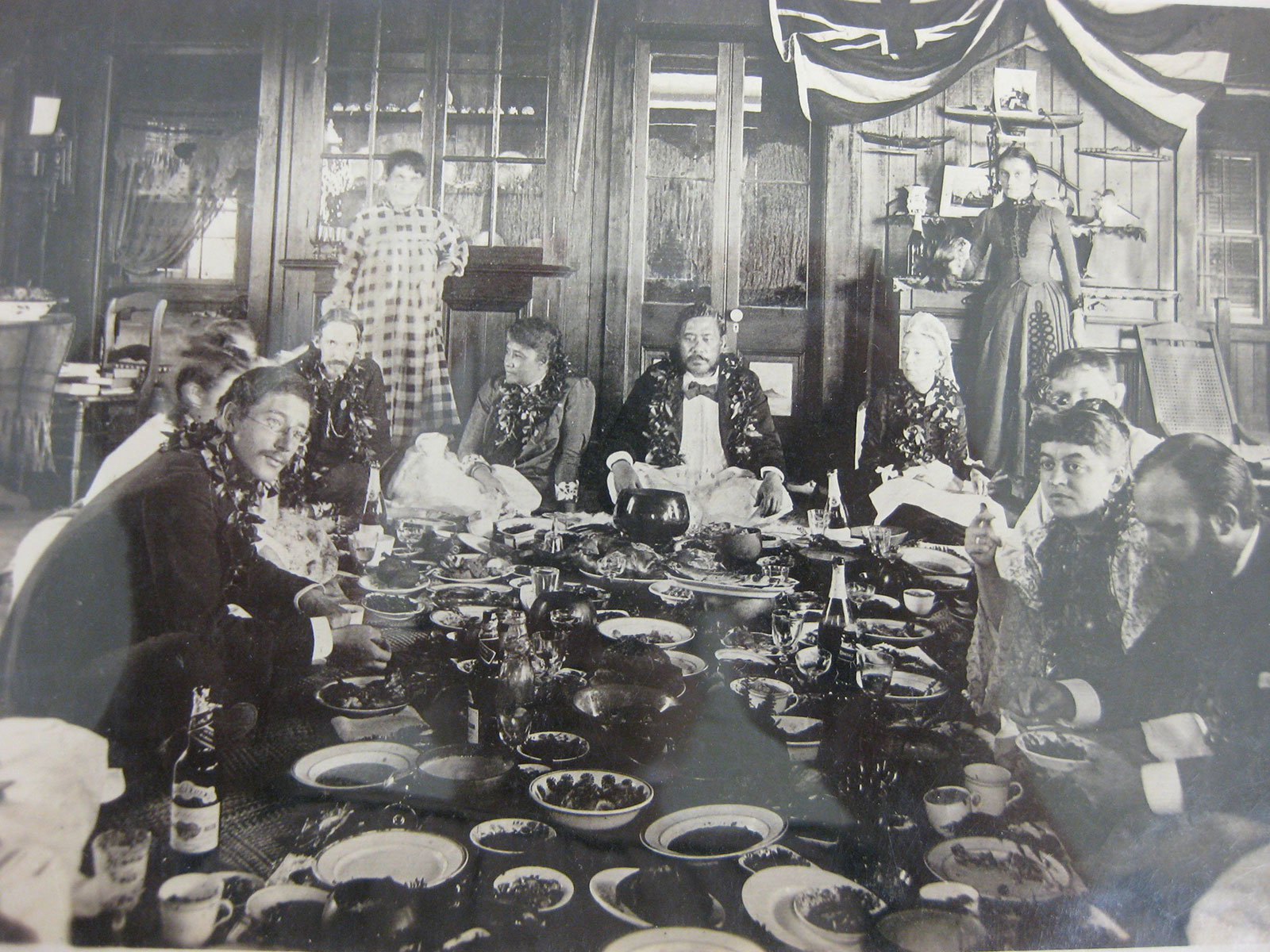 File:Robert Louis Stevenson at Royal Luau, 1889.jpg