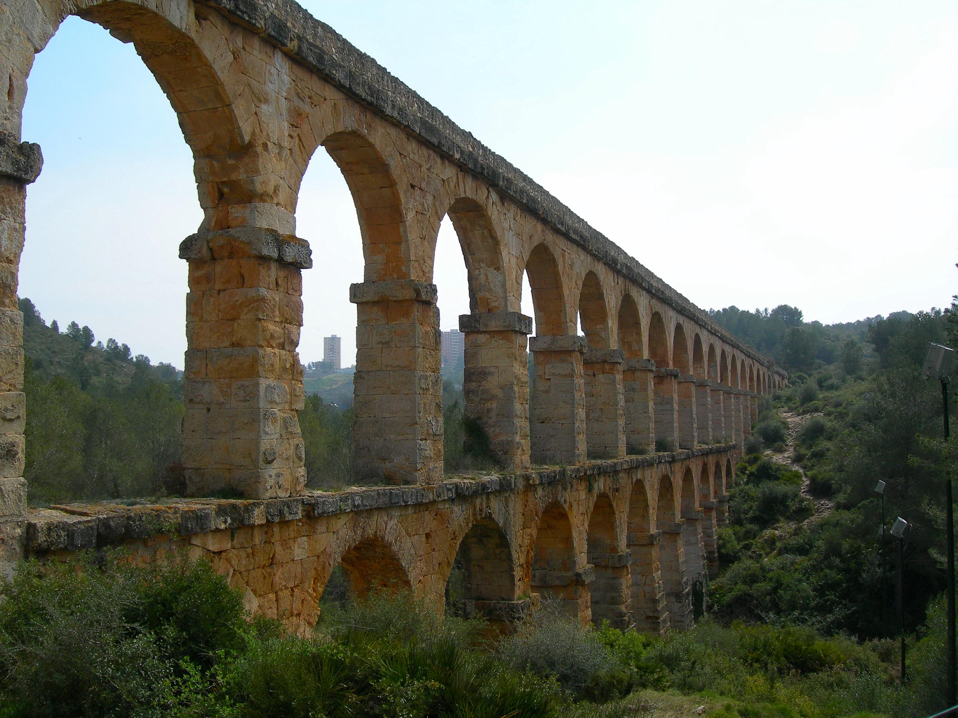 Descripci  243 n Roman Aqueduct  Tarragona Spain jpgRoman Aqueduct