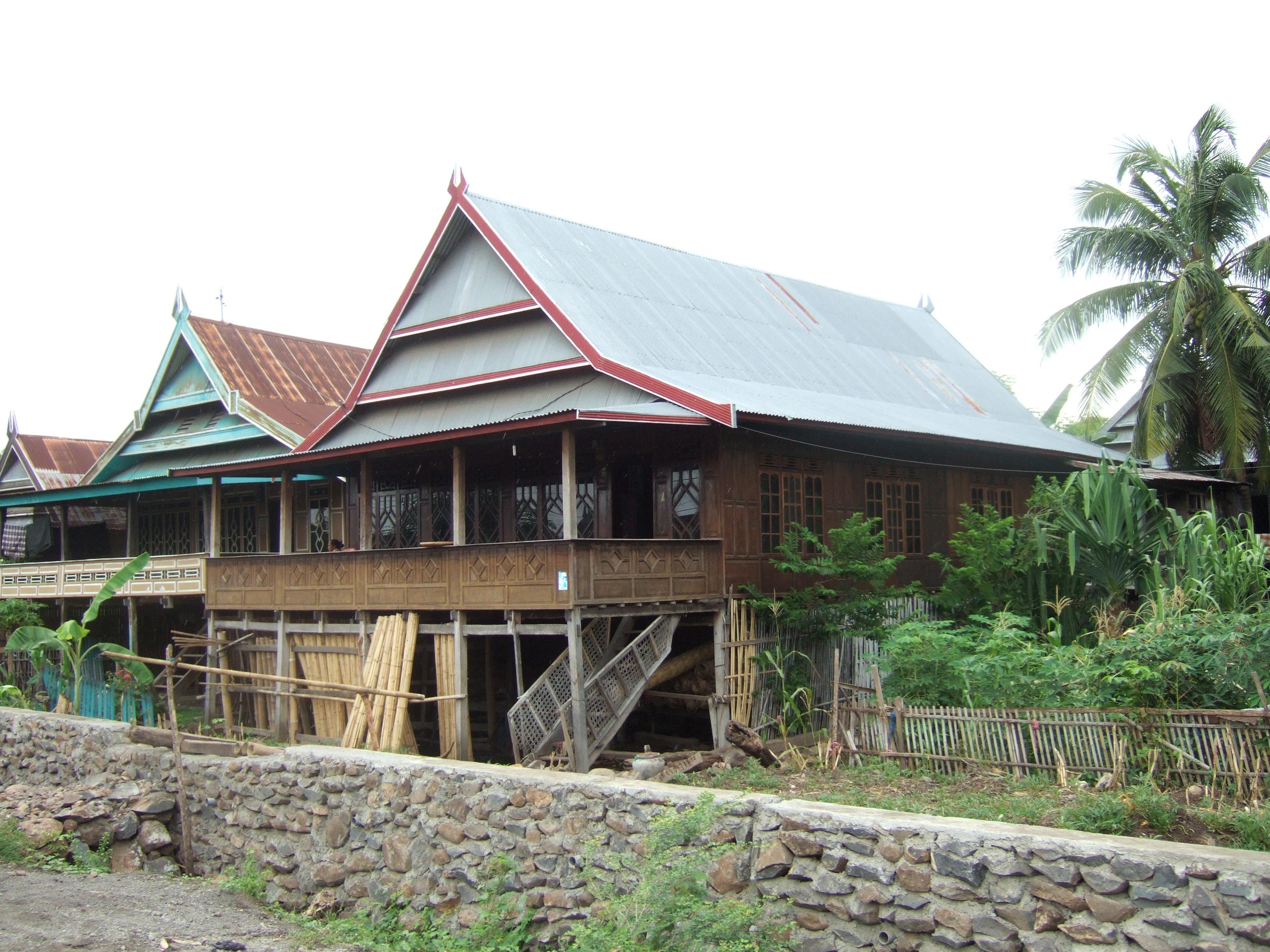 File Rumah Tradisional Makassar Bugis Bulukumba Jpg Wikimedia Commons