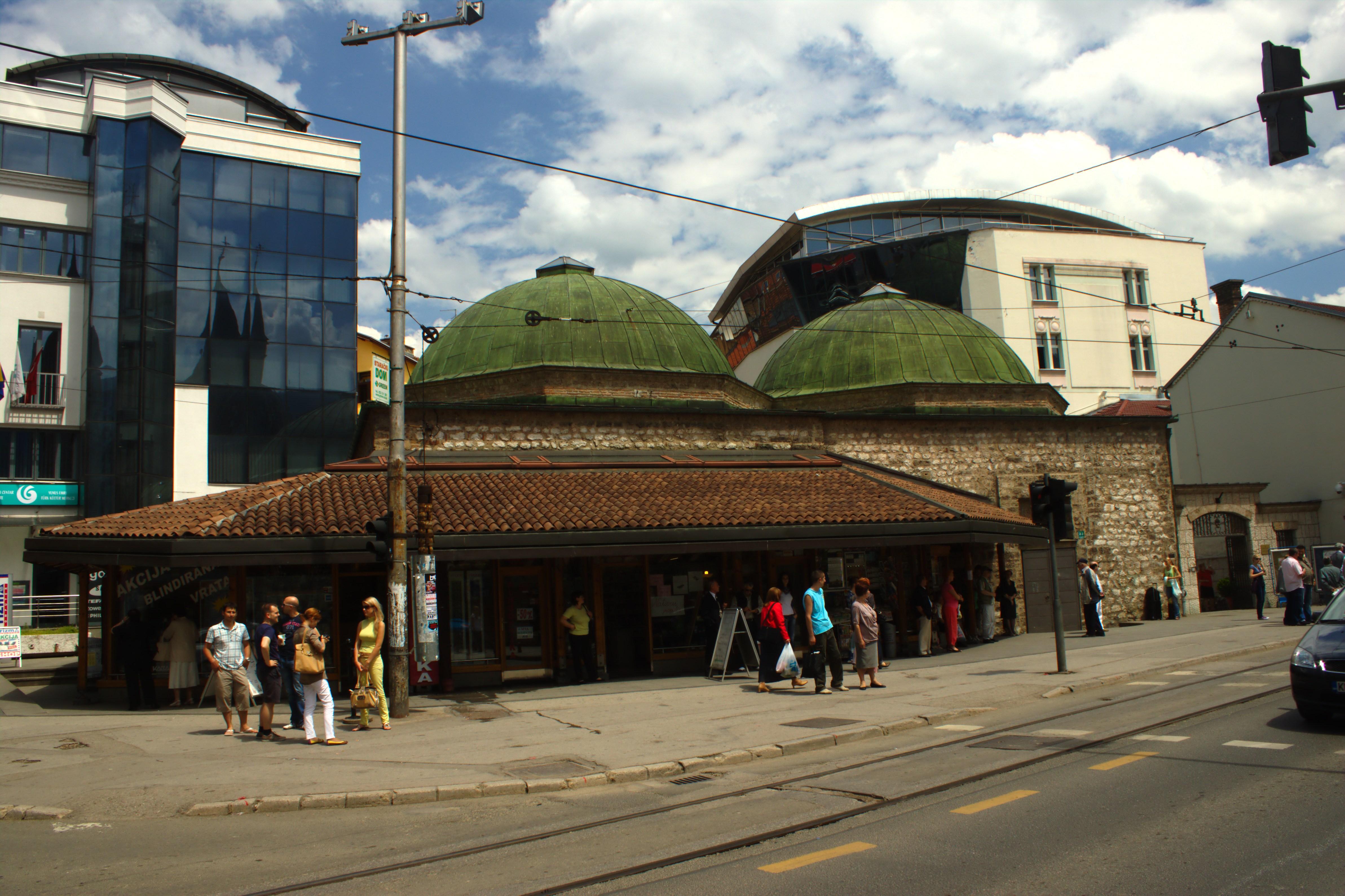 Bosniak institute (Bošnjački institut) i centrala Sarajevo (Baščaršija), BiH. Foto: Aktron CC BY 3.0