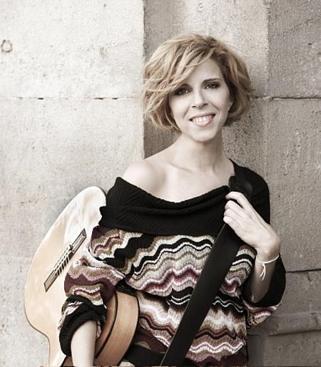 """Sole Giménez en una de las fotos de promoción de su segundo álbum en solitario """"La felicidad""""."""