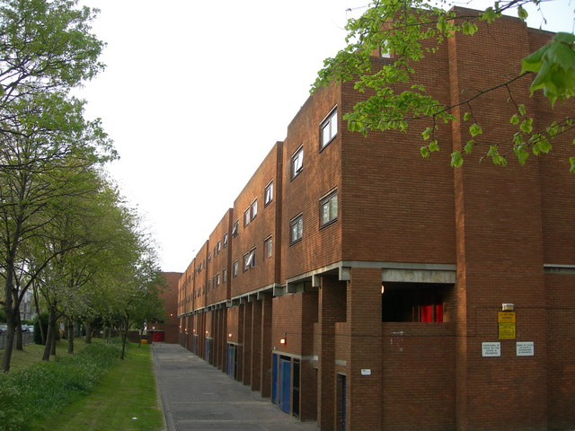 File:Stock Orchard Estate, Lower Holloway - geograph.org.uk - 411057.jpg