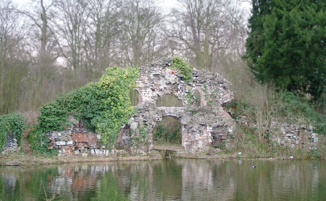 File:The Grotto, Wanstead park - geograph.org.uk - 46332.jpg