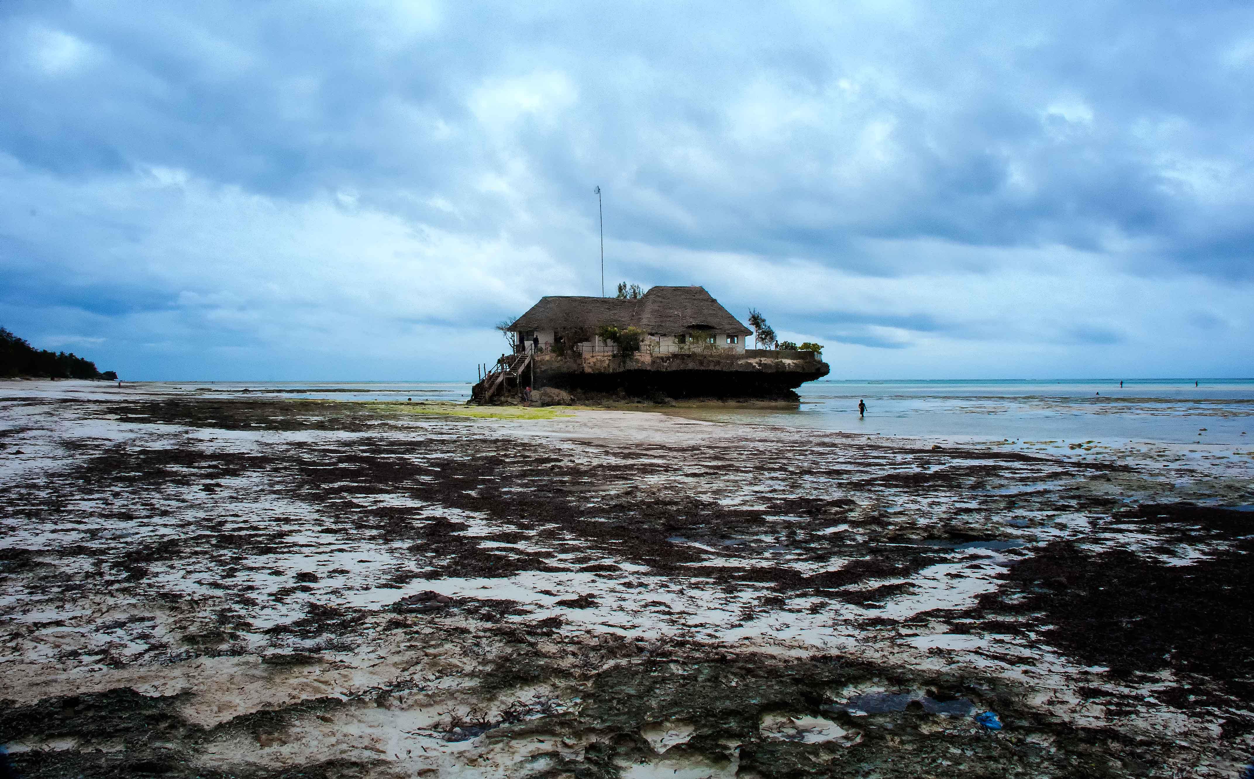 Agreable File:The Rock Restaurant, Zanzibar (17197688480)