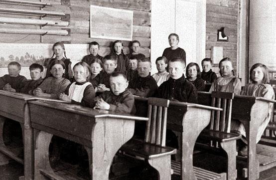 Torvisen kansakoulu 1924 26 A real educational revolution: System thinking + long term thinking = universal basic education