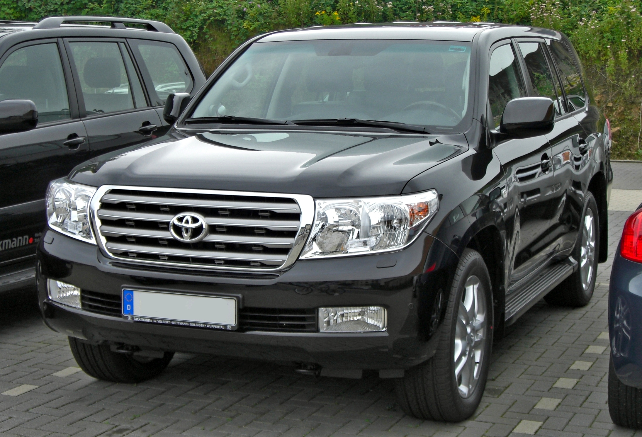 file toyota land cruiser v8 front jpg wikimedia commons. Black Bedroom Furniture Sets. Home Design Ideas
