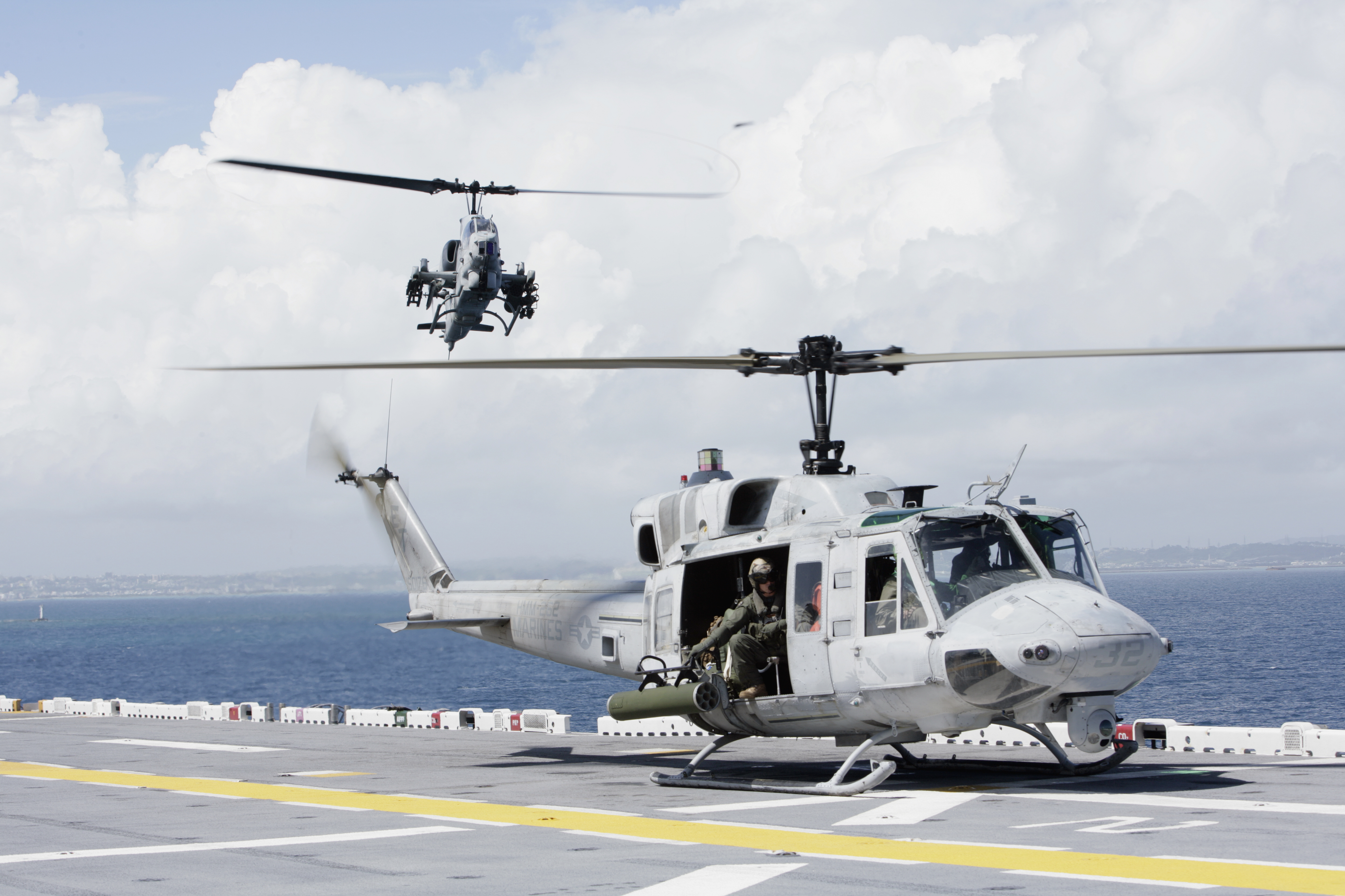 bell 427 helicopter with File Us Navy 080923 M 7474y 004 A Uh 1n Huey And An Ah 1w Super Cobra Land On The Flight Line Of The  Hibious Assault Ship Uss Essex  Lhd 2 on 37 in addition Relentless 525 besides File US Navy 080923 M 7474Y 004 A UH 1N Huey and an AH 1W Super Cobra land on the flight line of the  hibious assault ship USS Essex  LHD 2 furthermore Bell 427 08 moreover File Bell CH 135 Twin Huey  212   Canada   Air Force AN1645708.