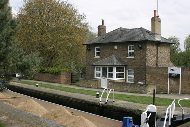 Uxbridge Lock, Grand Union Canal - geograph.org.uk - 1252195