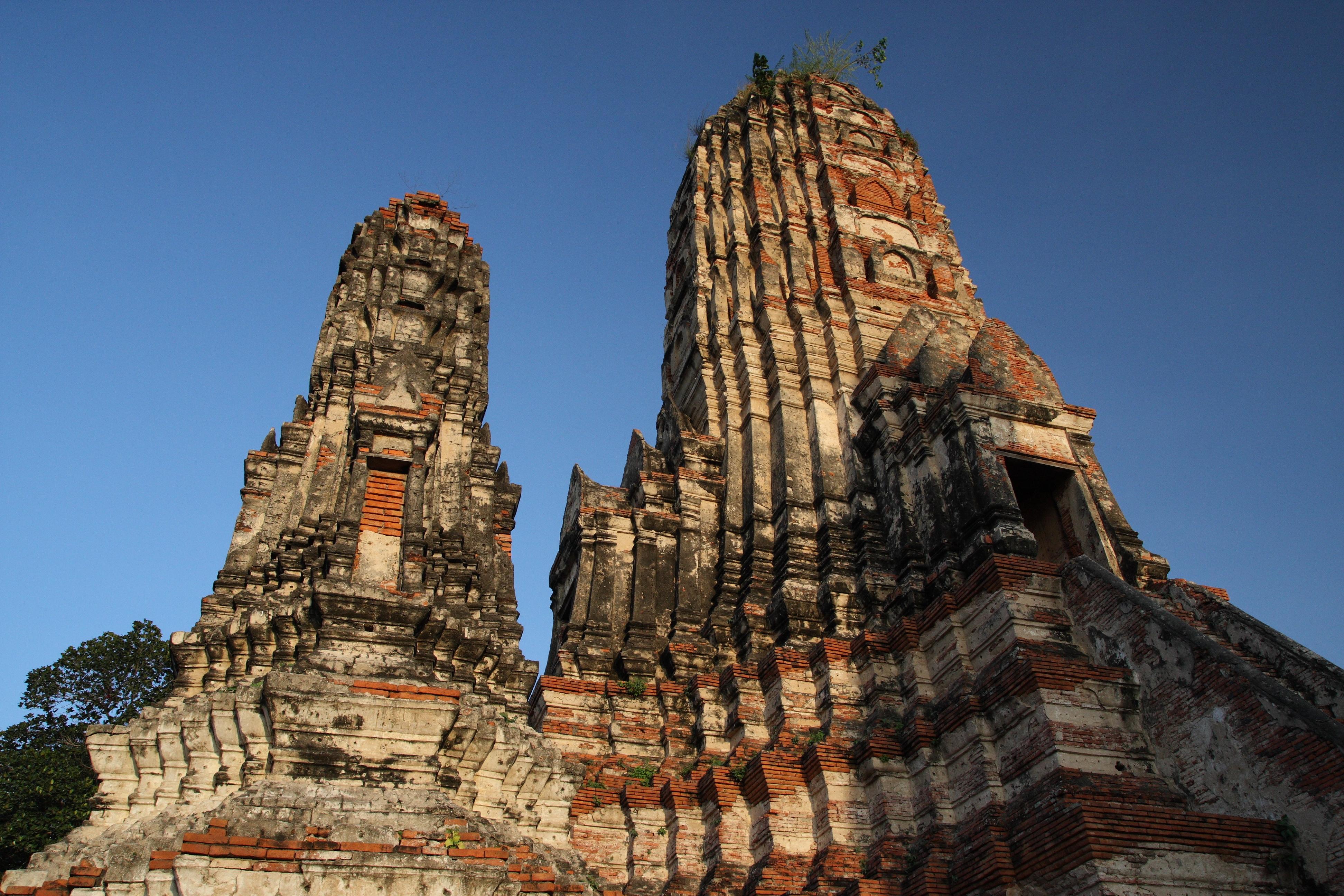 File:Wat Chaiwatthanaram, Ayutthaya, Thailand (5257475838 ...