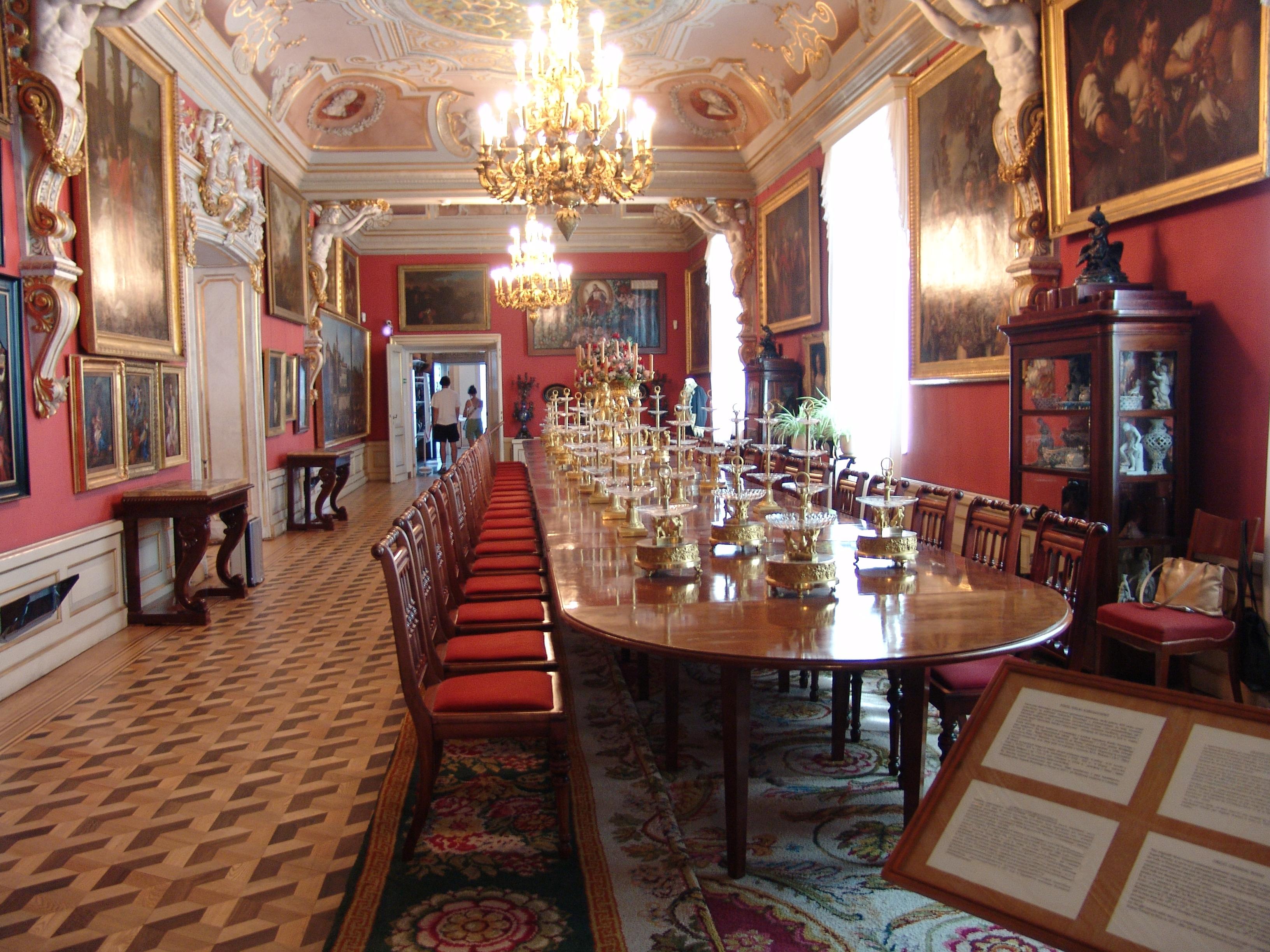 File wilanow dining room jpg wikimedia commons - Telas para tapizar sillas comedor ...