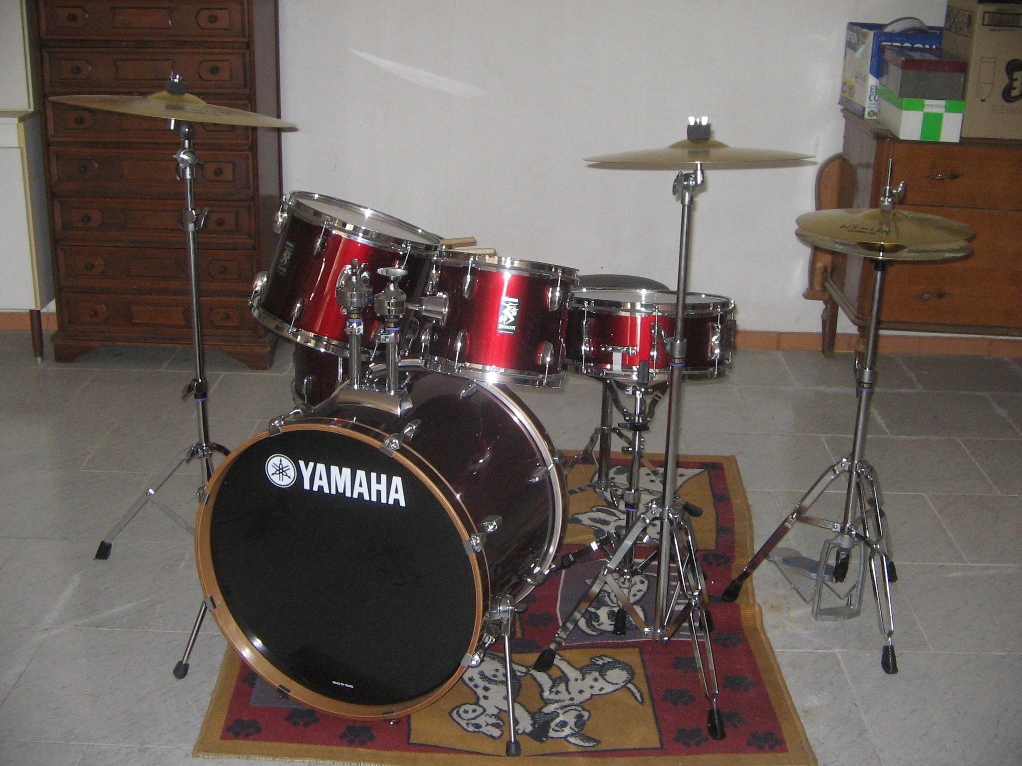 File Yamaha Drum Set Jpg Wikimedia Commons