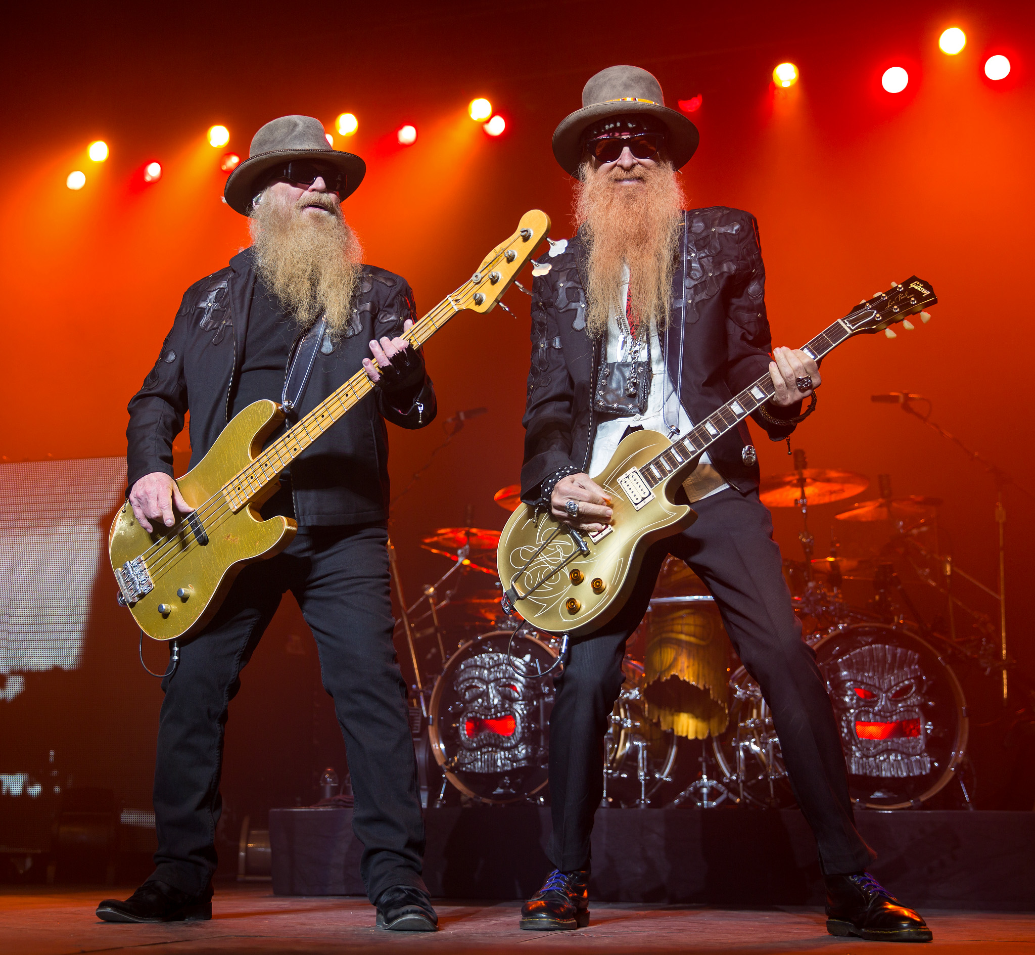ZZ_Top_performing_in_San_Antonio,_Texas_